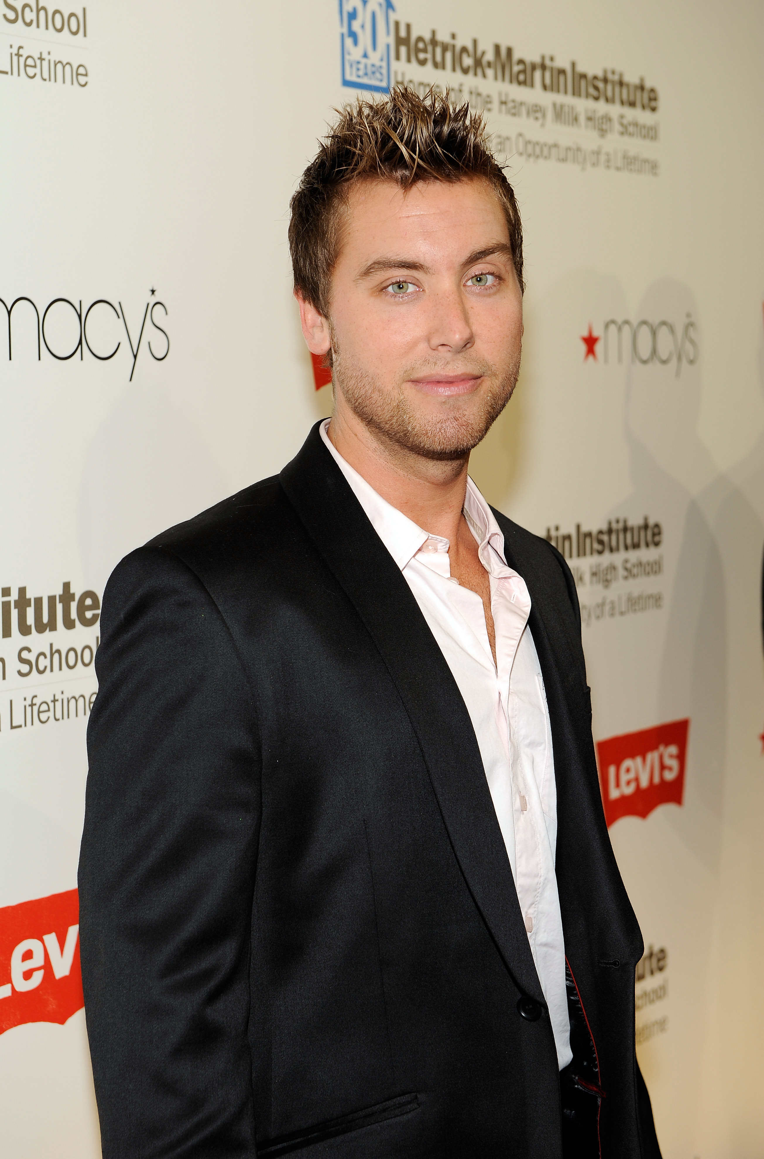 Amber Lancaster Entourage lance bass announced as host of 24 hour hollywood rush