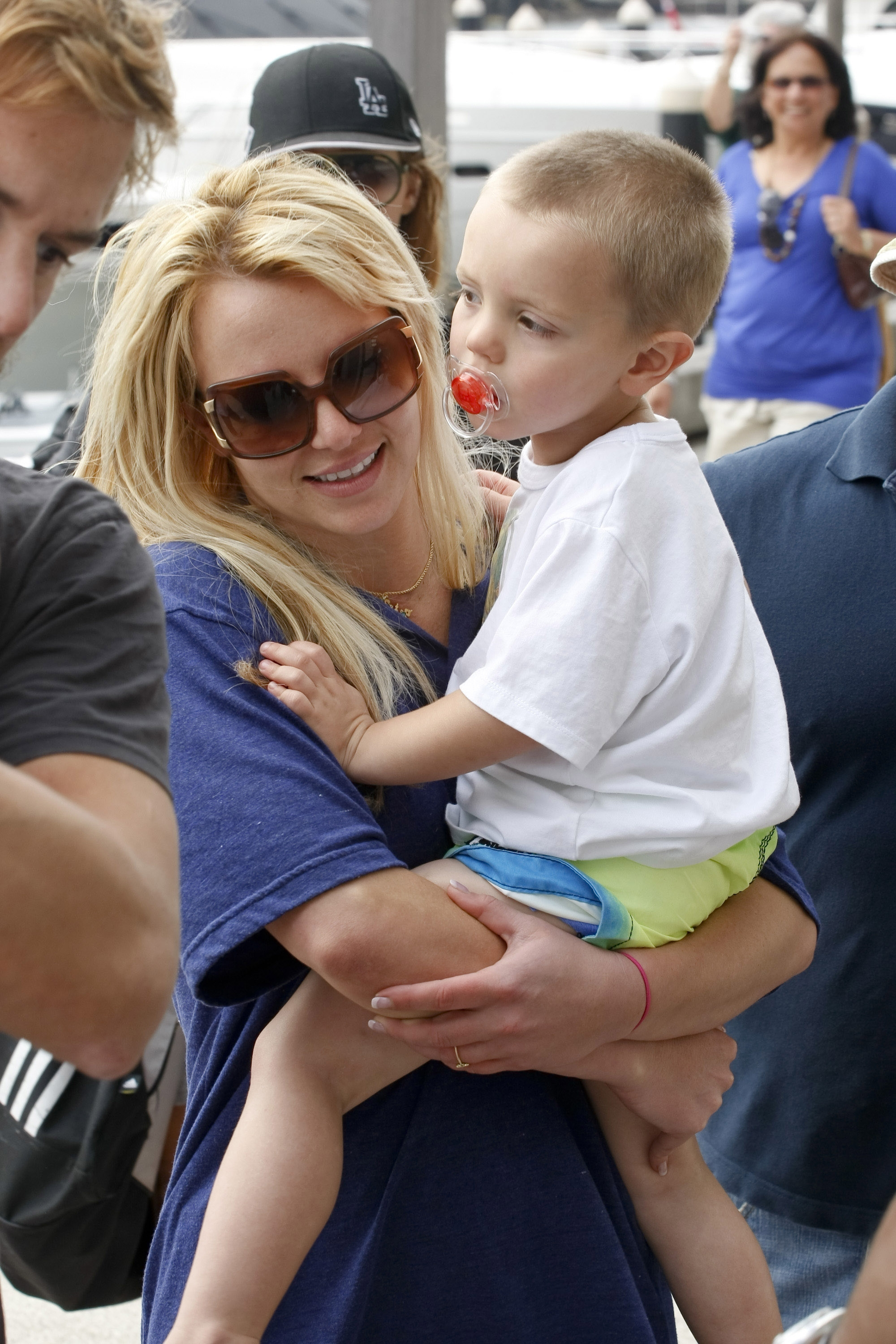 Britney Spears Kids Graduate Pre School With Mom Dad Happy Meals Access Online
