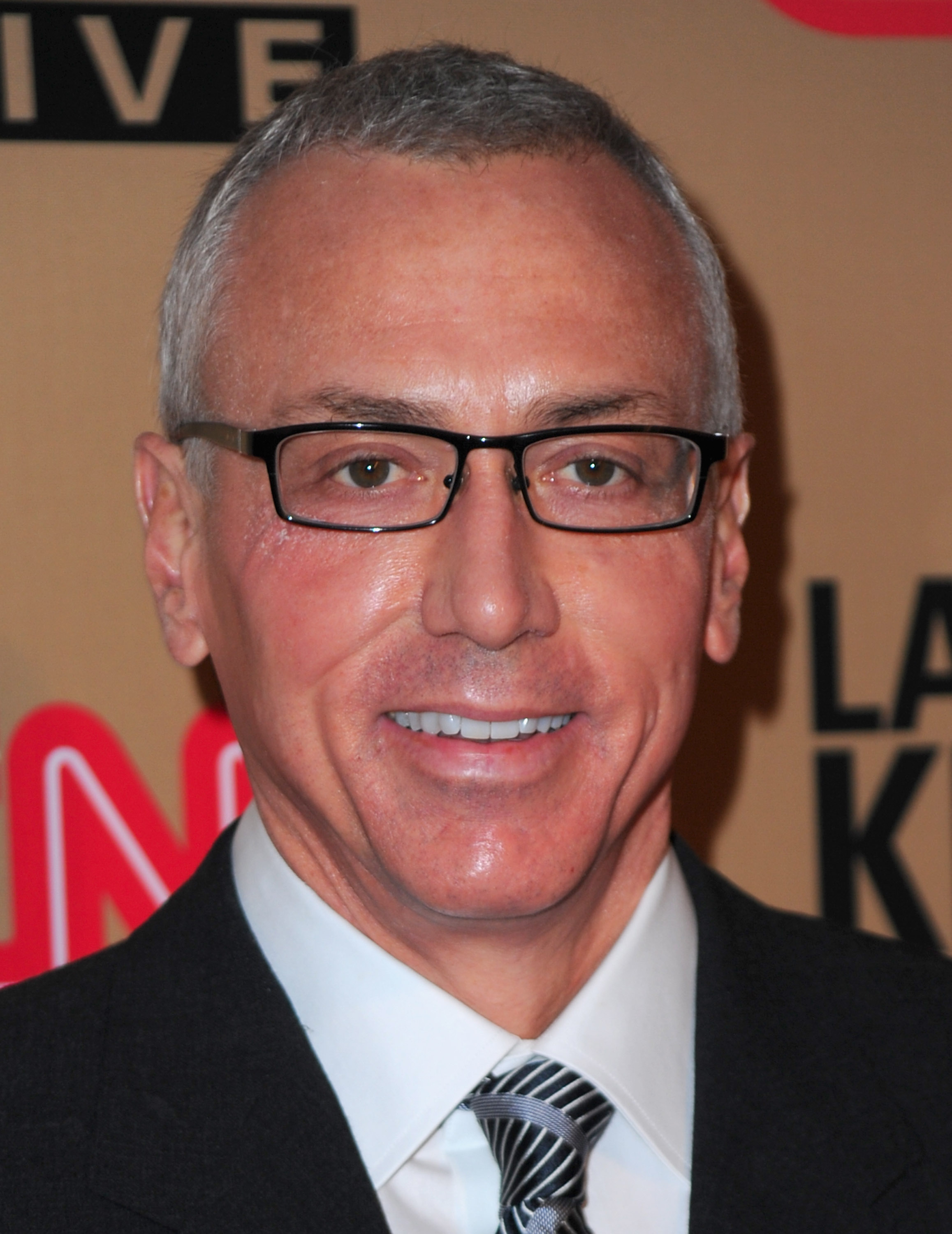 """Dr.-Drew-Pinsky-arrives-at-CNN's-""""Larry-King-Live""""-final-broadcast-party-at-Spago-restaurant-on-December-16-2010-in-Beverly-Hills"""