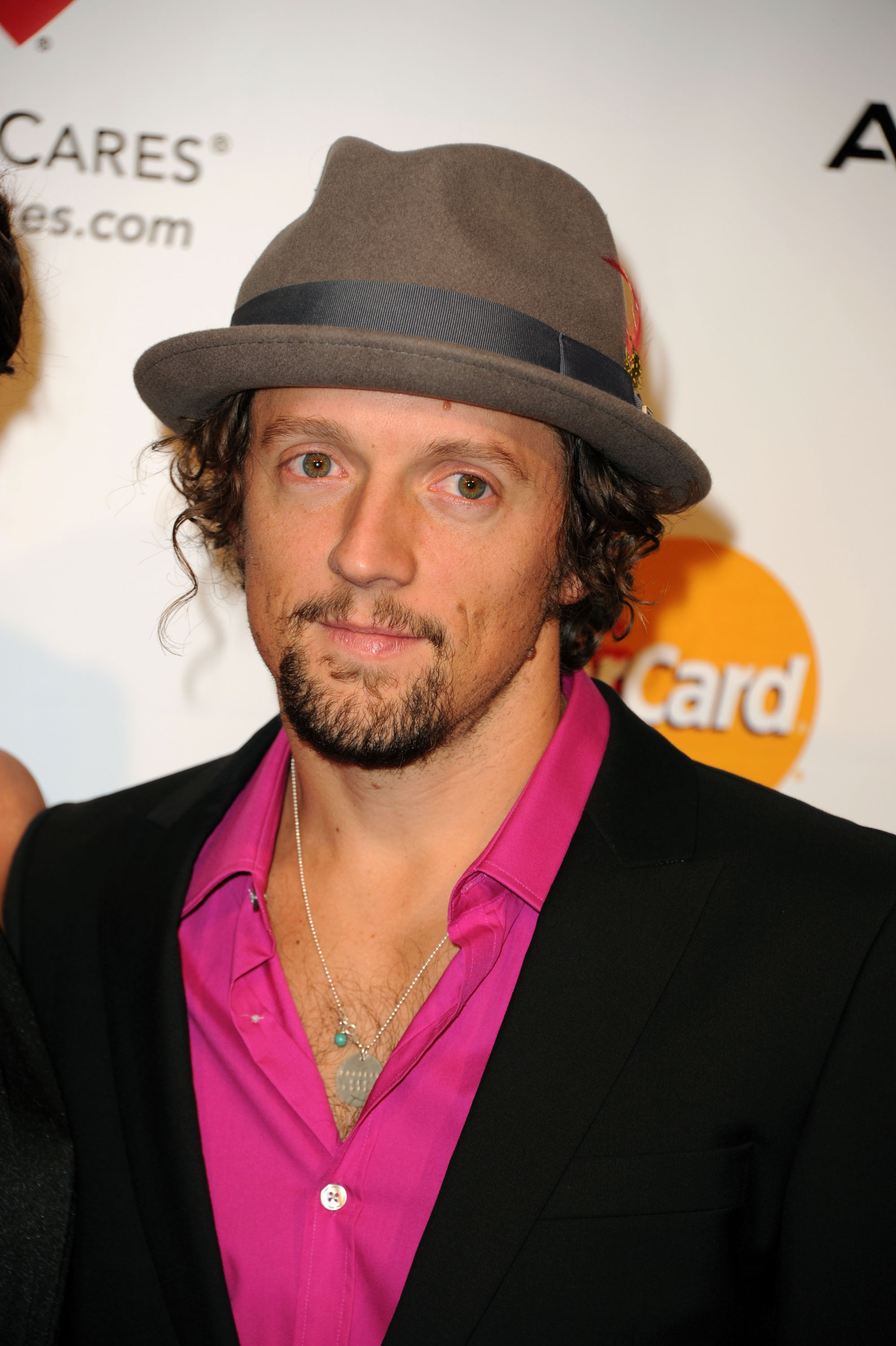 6af8886d8 Jason Mraz To Make Historic Appearance In Myanmar To Help Fight ...