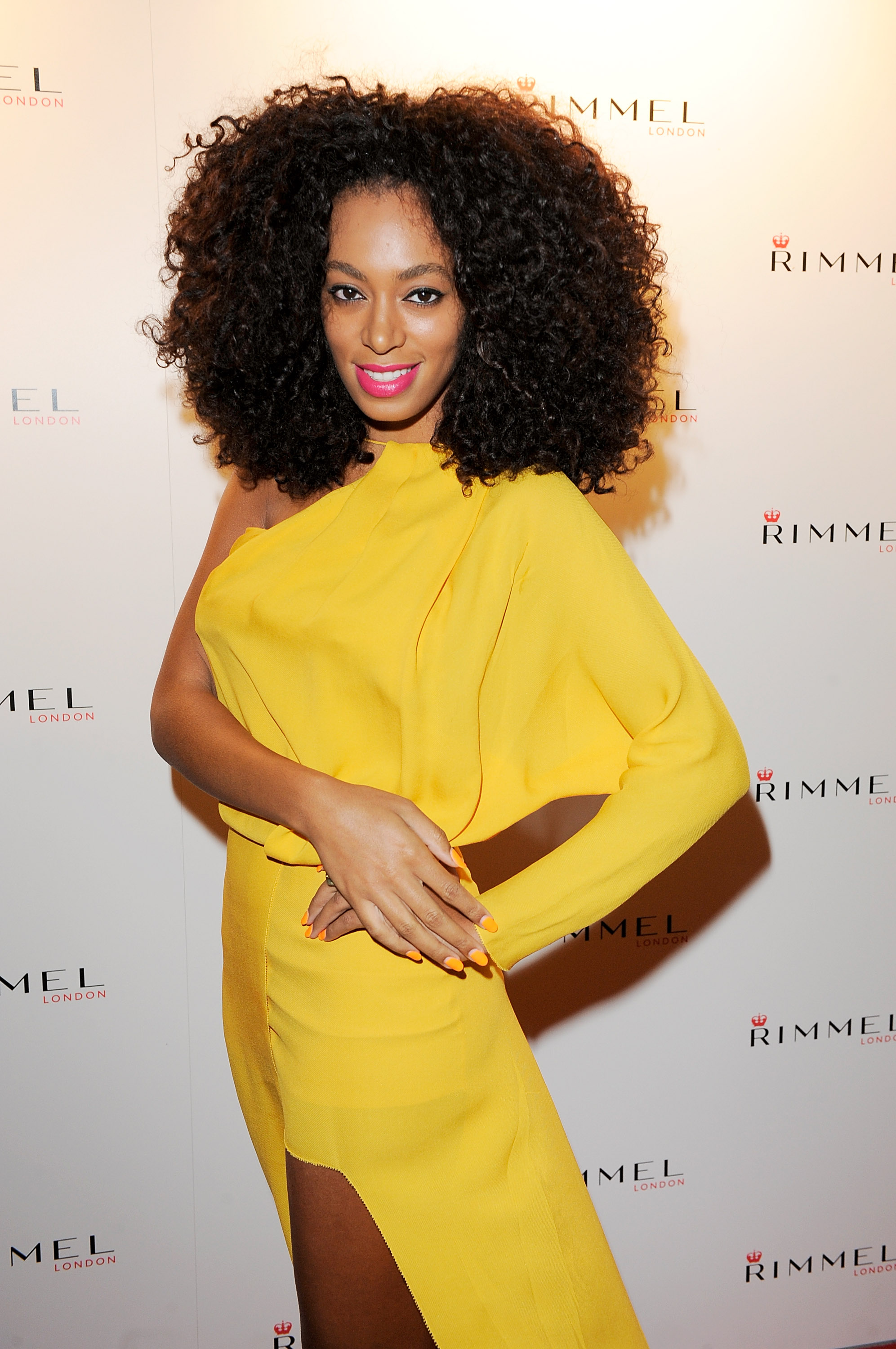 Solange Knowles Loses Wedding Ring During Mardi Gras Parade: Solange Knowles New Wedding Ring At Reisefeber.org