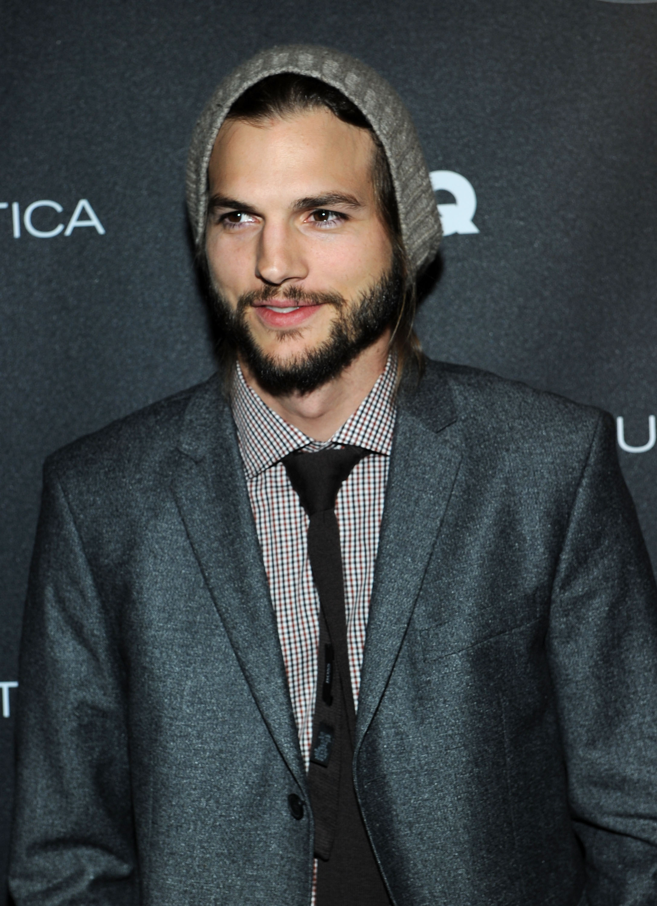 Ashton Kutcher Beanie Ashton Kutcher Apologi...