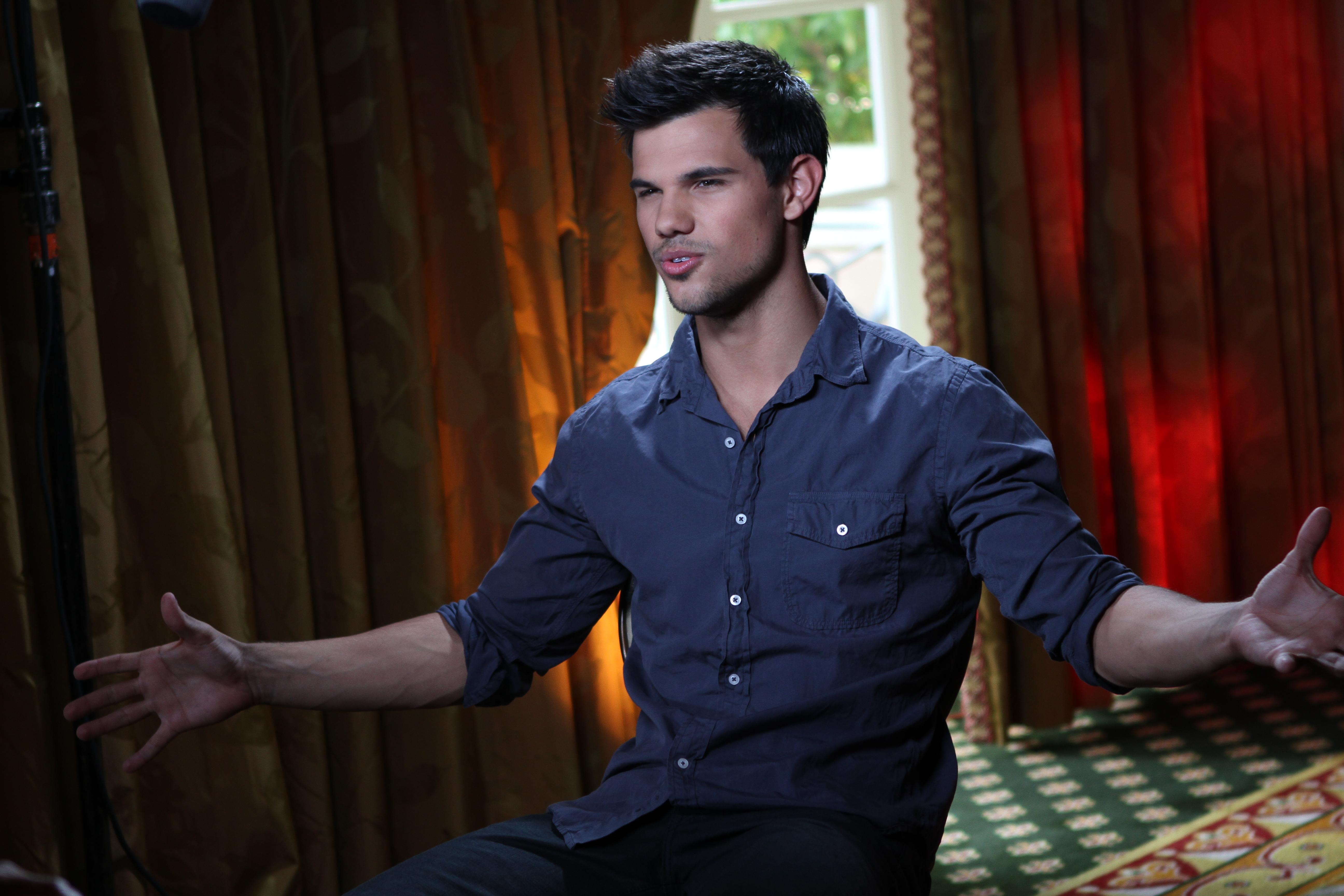 Taylor Lautner On Jacobs Breaking Dawn Heartbreak Over Bella He