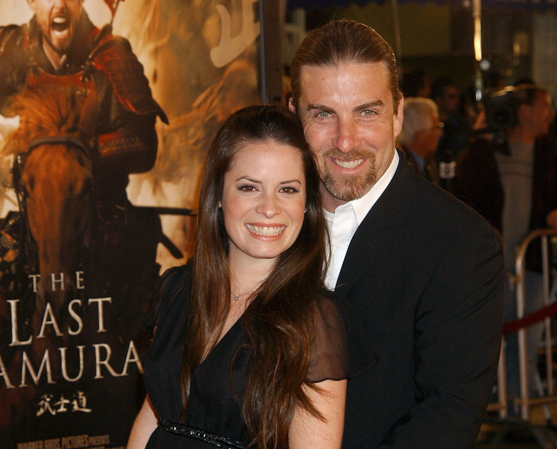 Who is holly marie combs married to