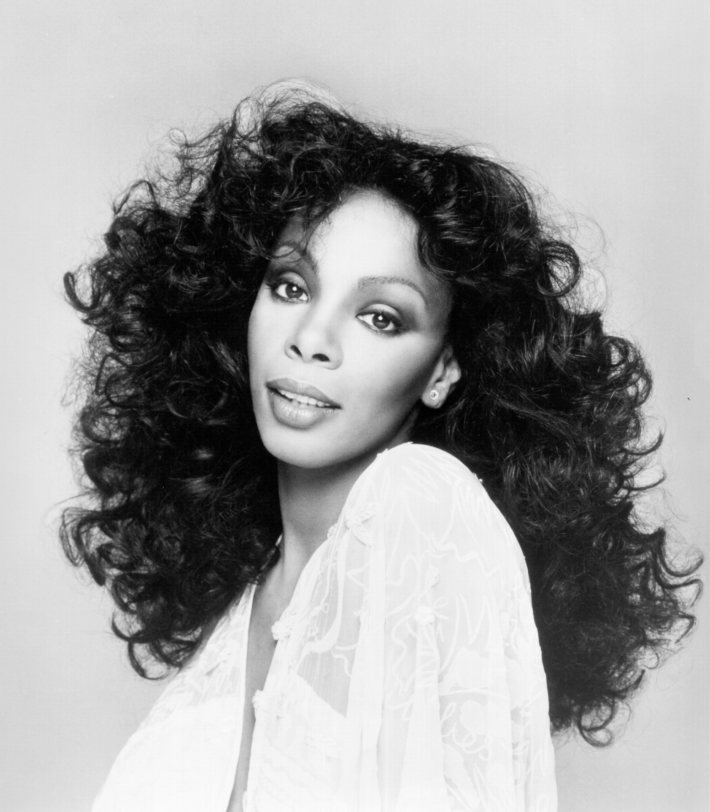 Stars React To The Death Of Donna Summer | Access Online