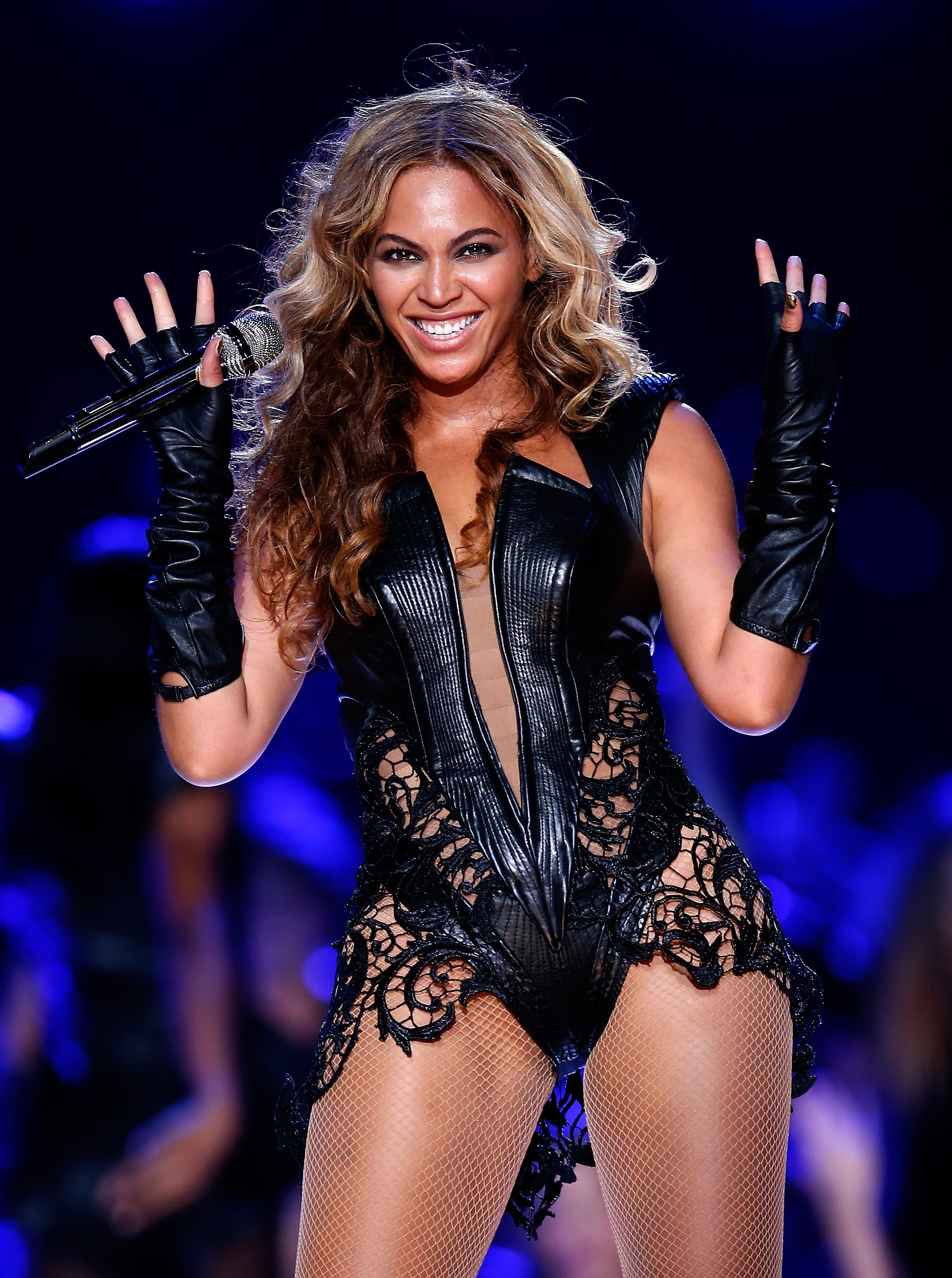Beyonce-performs-during-the-Pepsi-Super-Bowl-XLVII-Halftime-Show-at-the-Mercedes-Benz-Superdome-on-February-3-2013-in-New-Orleans-Louisiana