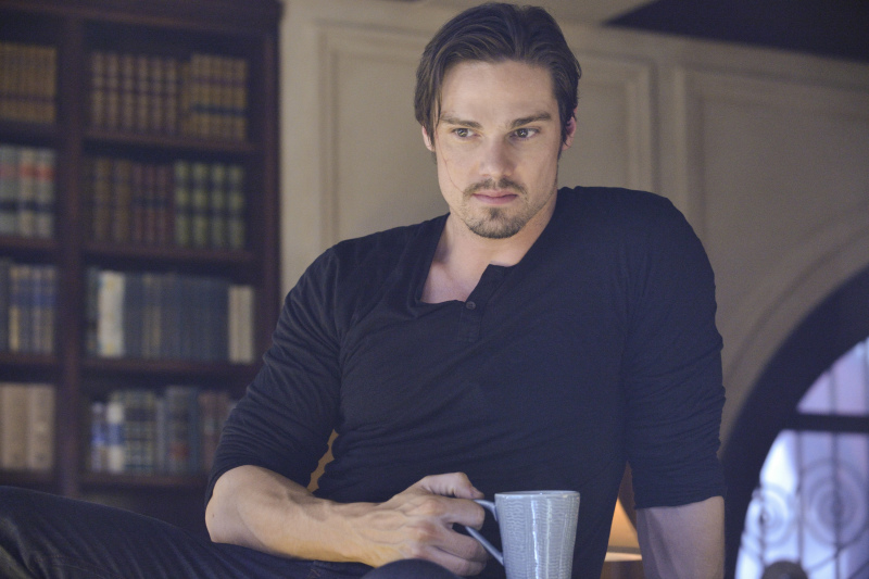 Jay Ryan We Achieved Something Kind Of Special With Beauty And The Beast Season 1 Access Online
