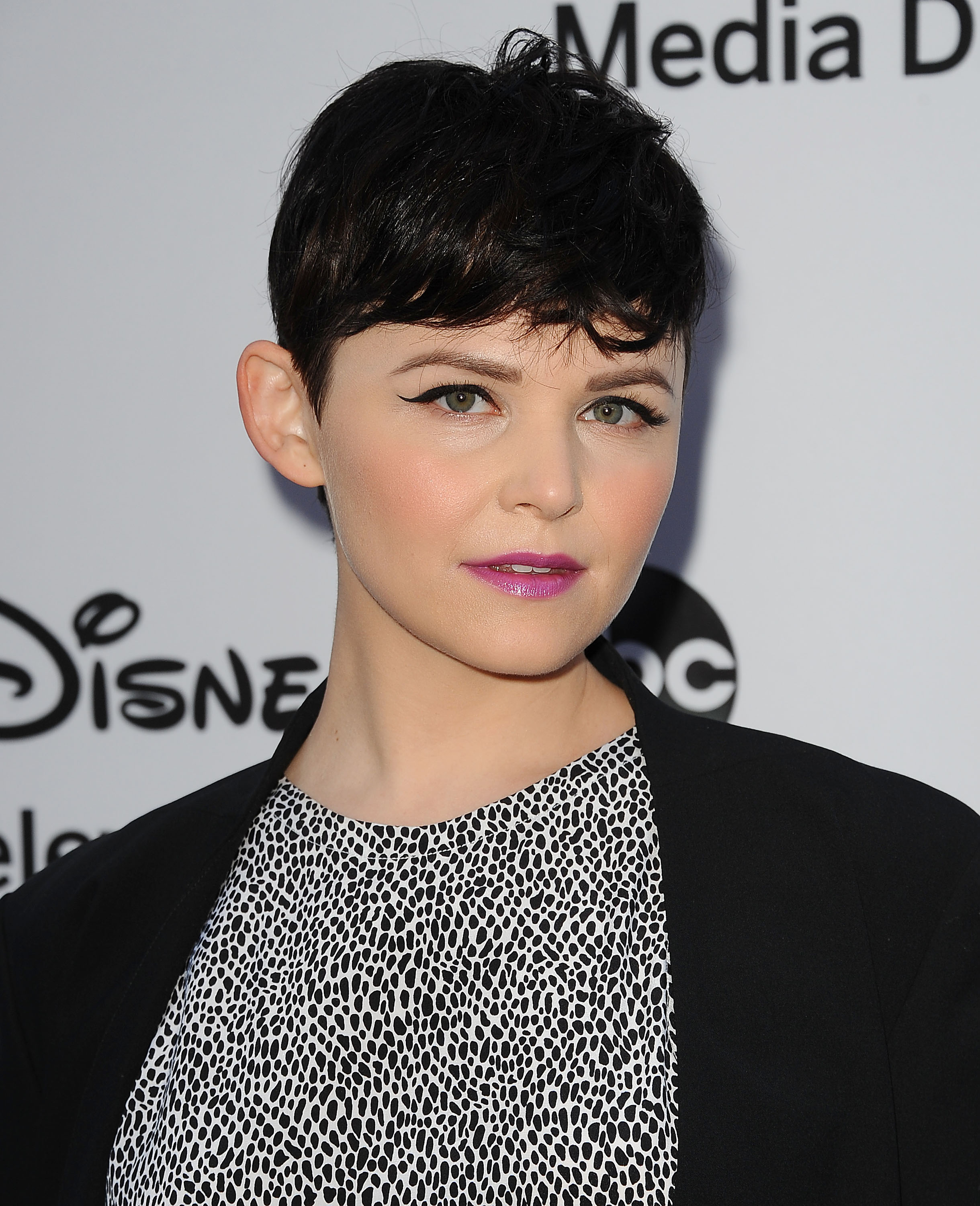 Once Upon A Time Season 3 Qa Ginnifer Goodwin Previews Troubles In