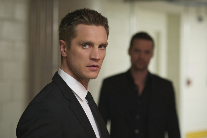 Devon-Sawa-as-Owen-and-Shane-West-as-Michael-in-the-'High-Value-Target'-episode-of-'Nikita'