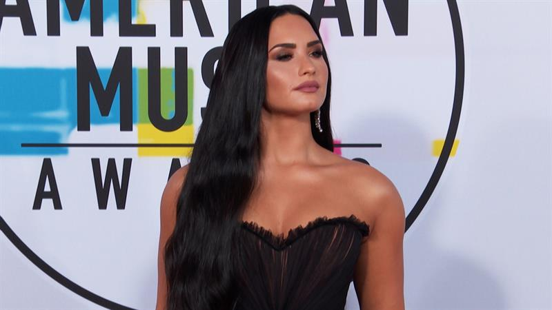 Demi Lovato Opens Up About Body Insecurities On Social Media