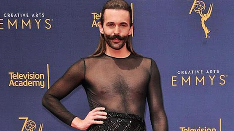 39 queer eye 39 s 39 jonathan van ness claps back at 39 transphobic 39 trolls after wearing a dress to the. Black Bedroom Furniture Sets. Home Design Ideas