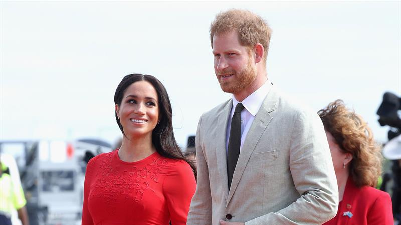 Meghan Markle & Prince Harry Share A Thank You Note Following Royal Tour Down Under