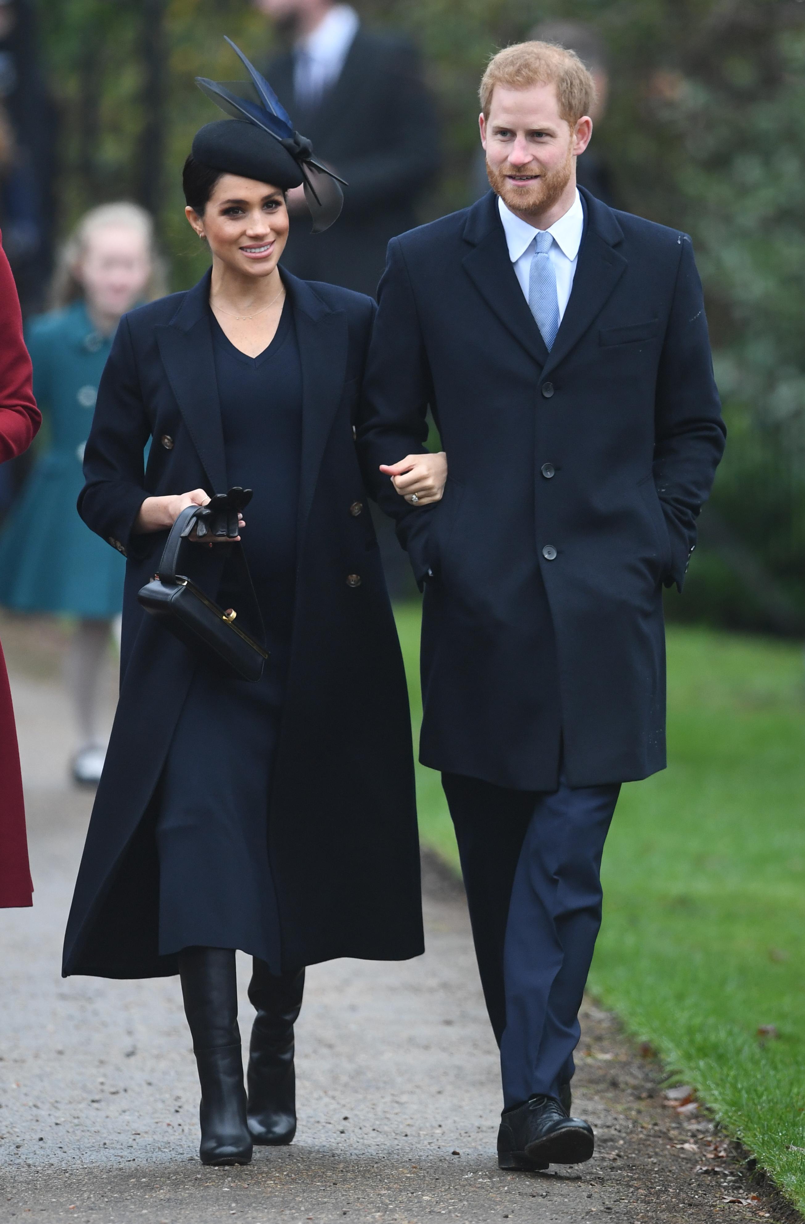 Meghan Markle Christmas.Meghan Markle Kate Middleton Are All Smiles At Christmas