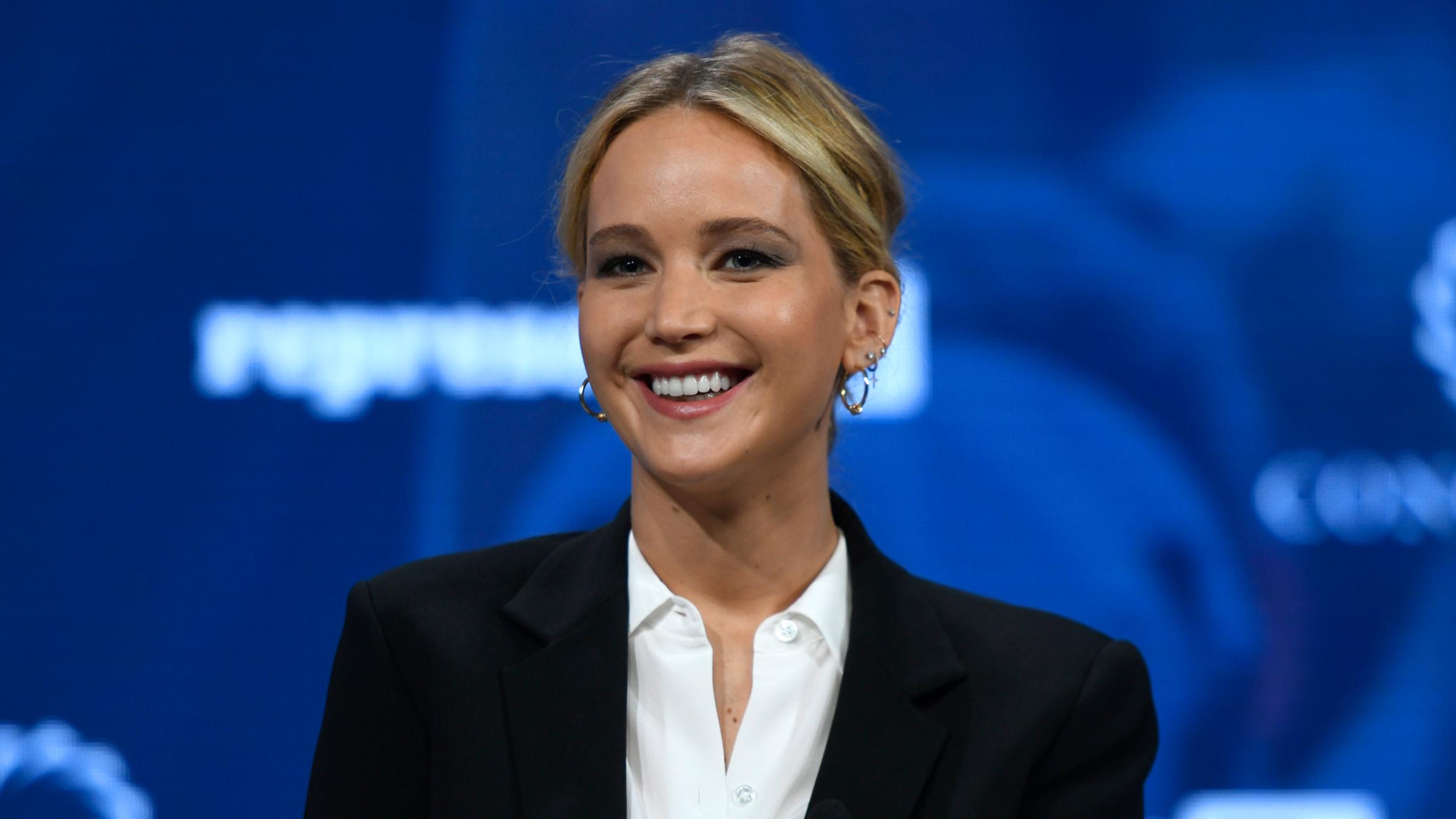 Jennifer Lawrence Got Into A Hilarious Bathroom Altercation