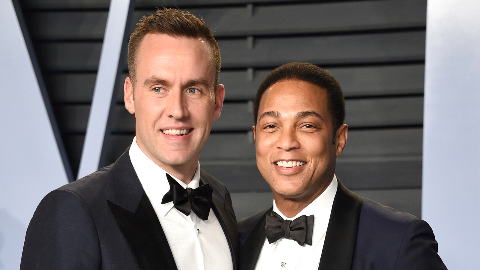 Cnns Don Lemon Is Engaged See How His Dogs Played A Role In The