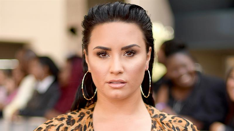 Demi Lovato Gets A New Tattoo Of Her Grandma's Face On Her Arm!