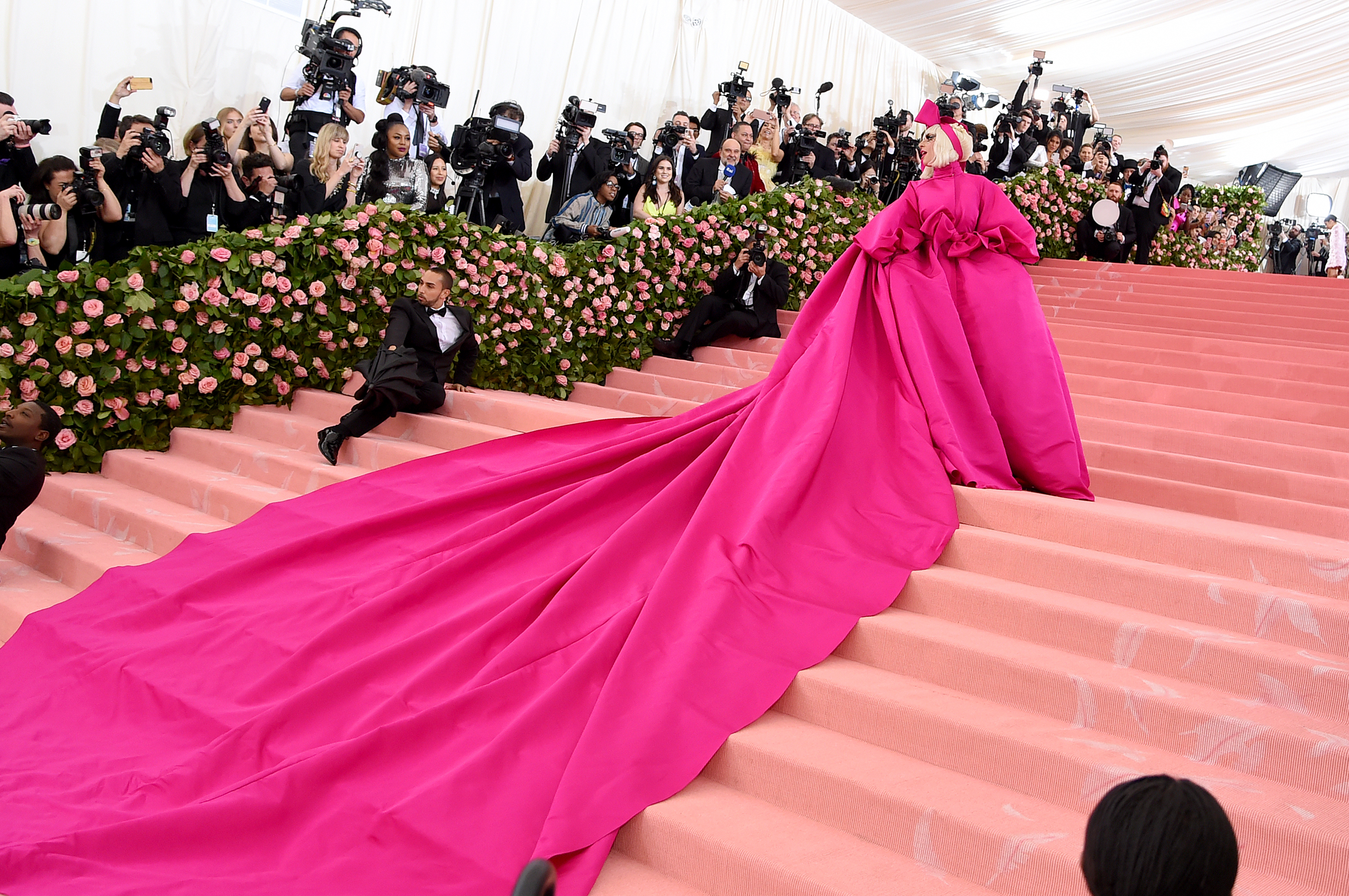 Lady Gaga Rules The Met Gala With 4 Yes 4 Jaw