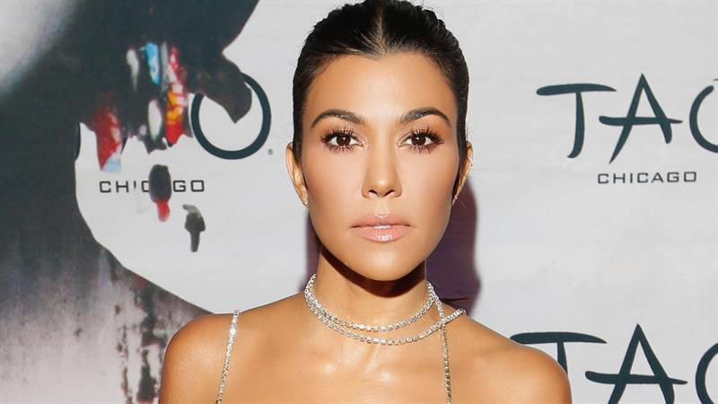 12fd81da7e4af 190628_3980789_Why_Kourtney_Kardashian_Is_Going_Back_On_Str_800x450_1560373827929.jpg