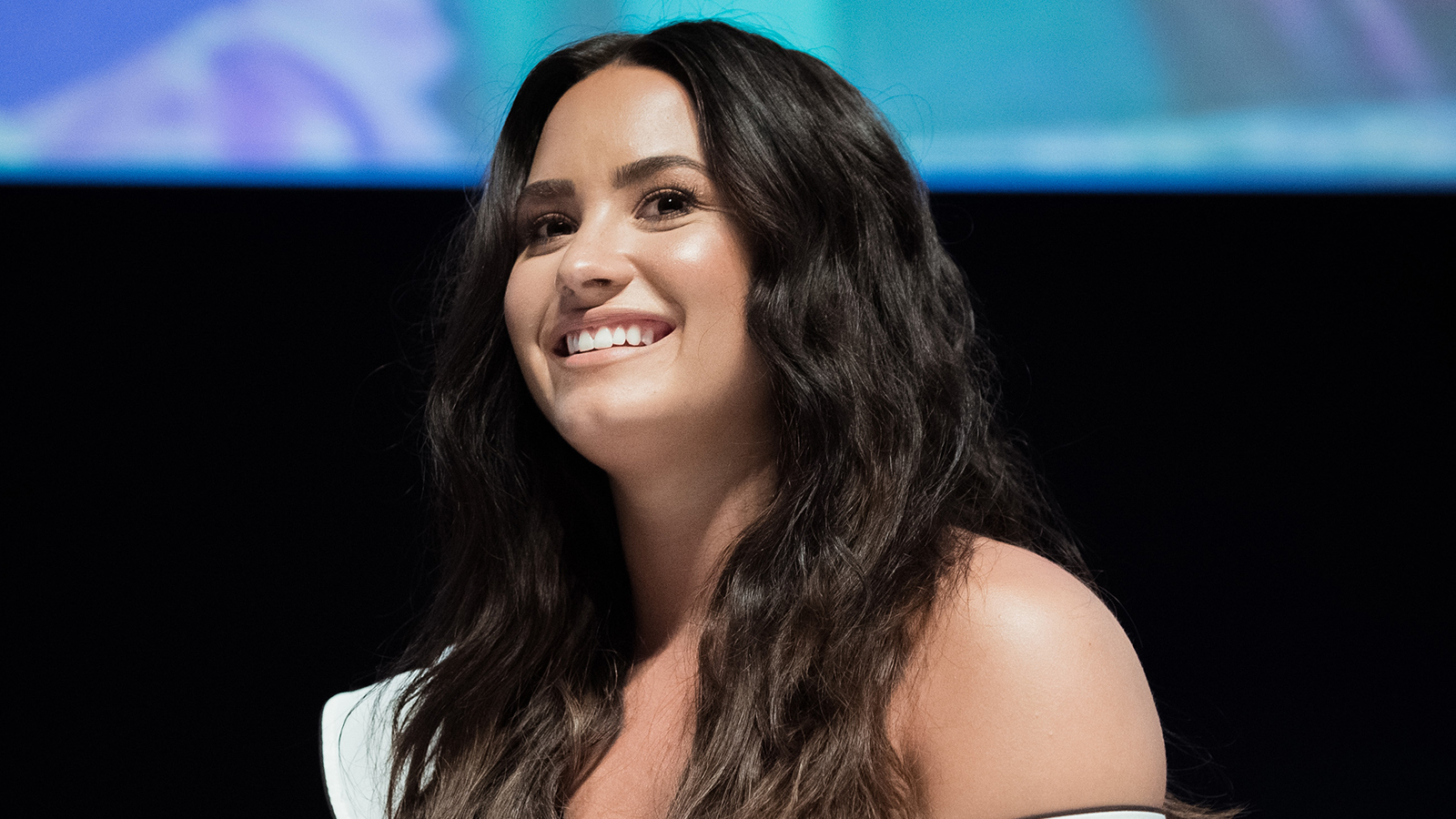 Sober Demi Lovato Sips On Water & Red Bull At West ...