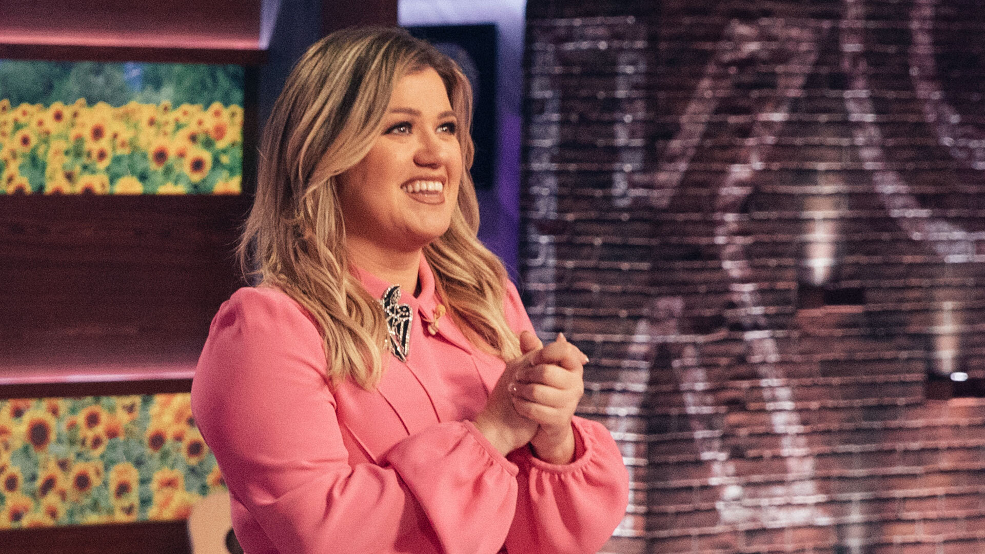 Kelly Clarkson claims '2020 has brought changes that she never saw coming