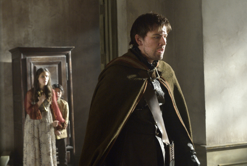 Reign': The Costumes, Drama & Scene Snaps From Season 1