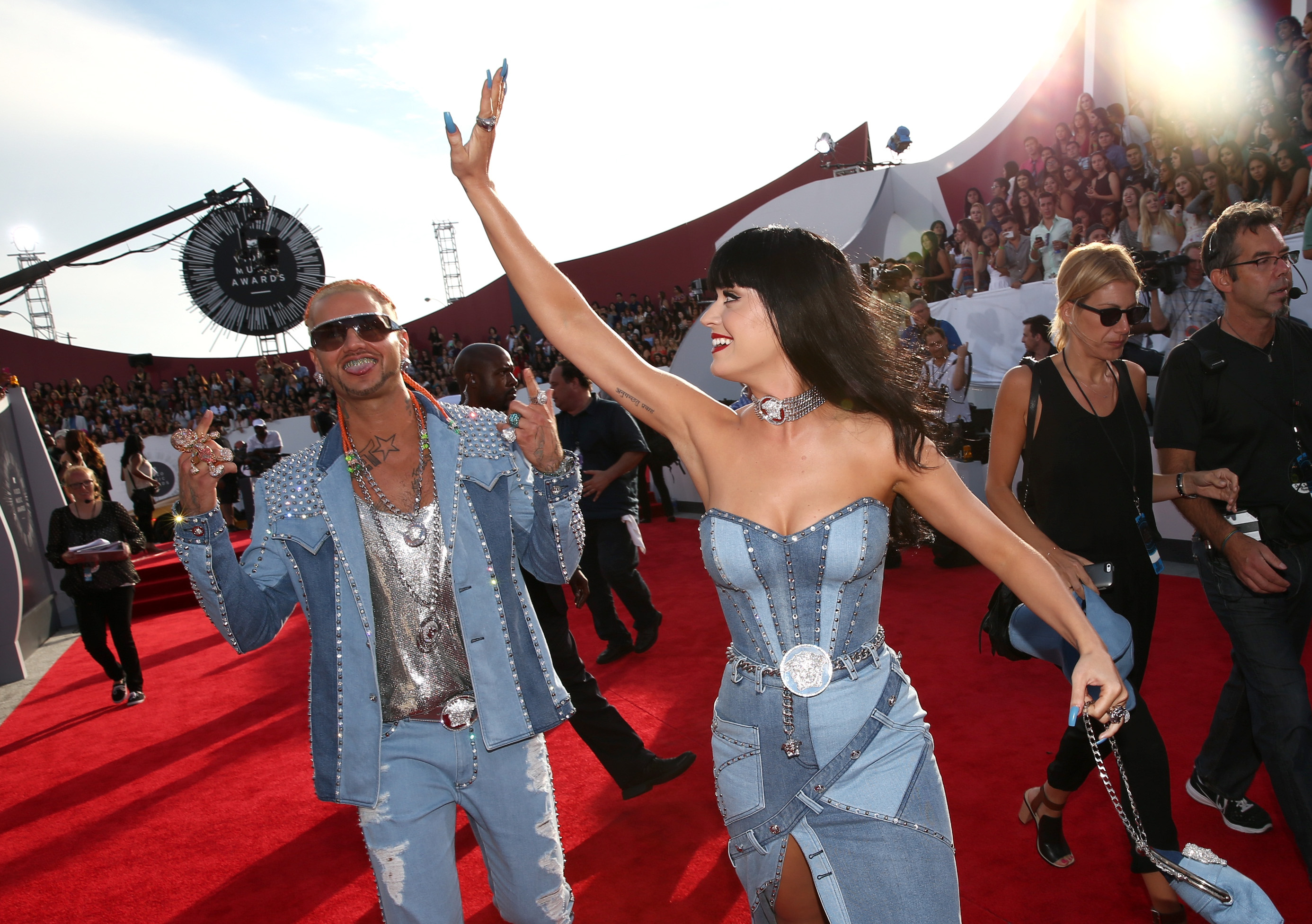 Britney Spears Responds To Katy Perry S Vmas Denim Dress Access Online