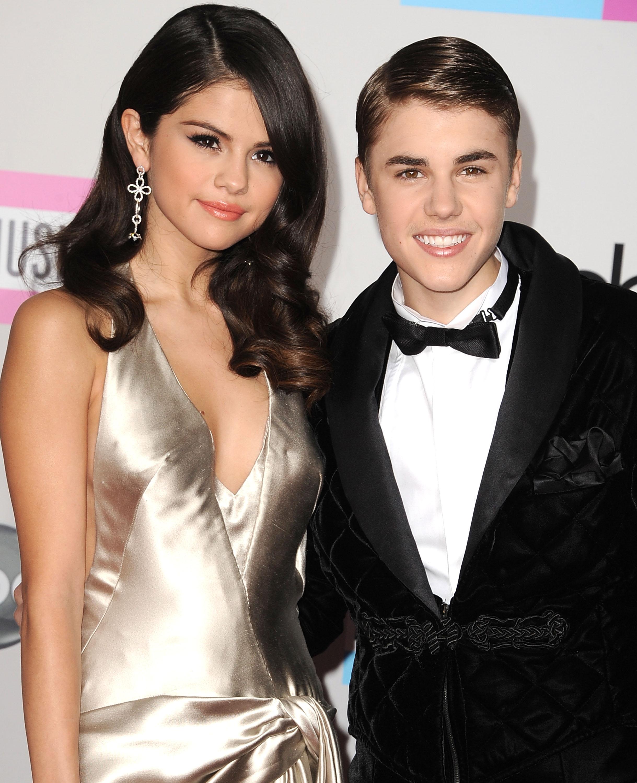 Er Justin og Selena dating 2011