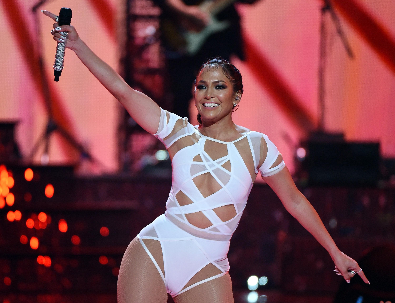 Jennifer Lopez's Booty-Shaking Performance In Sexy Bodysuit