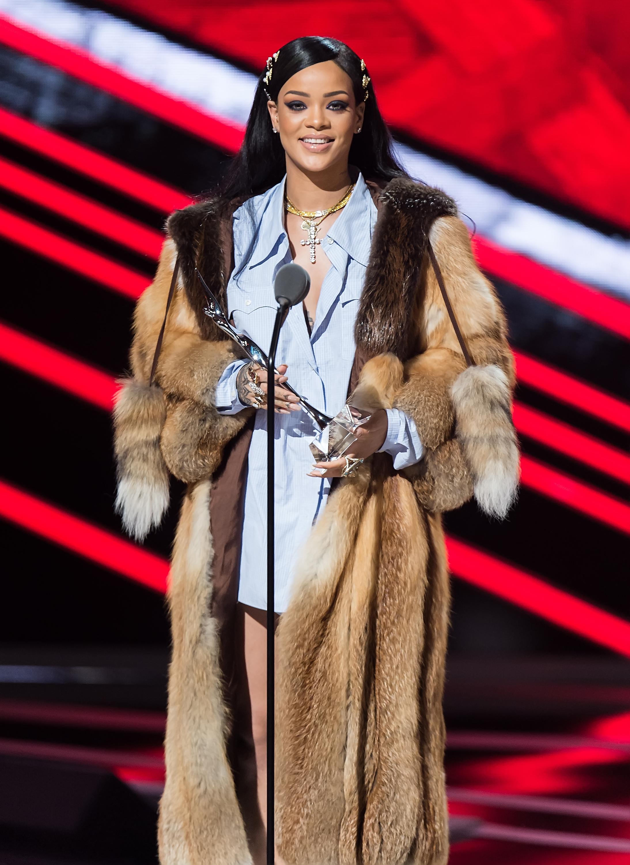 Rihanna-Rhimes-More-At-Black-Girls-Rock-Event