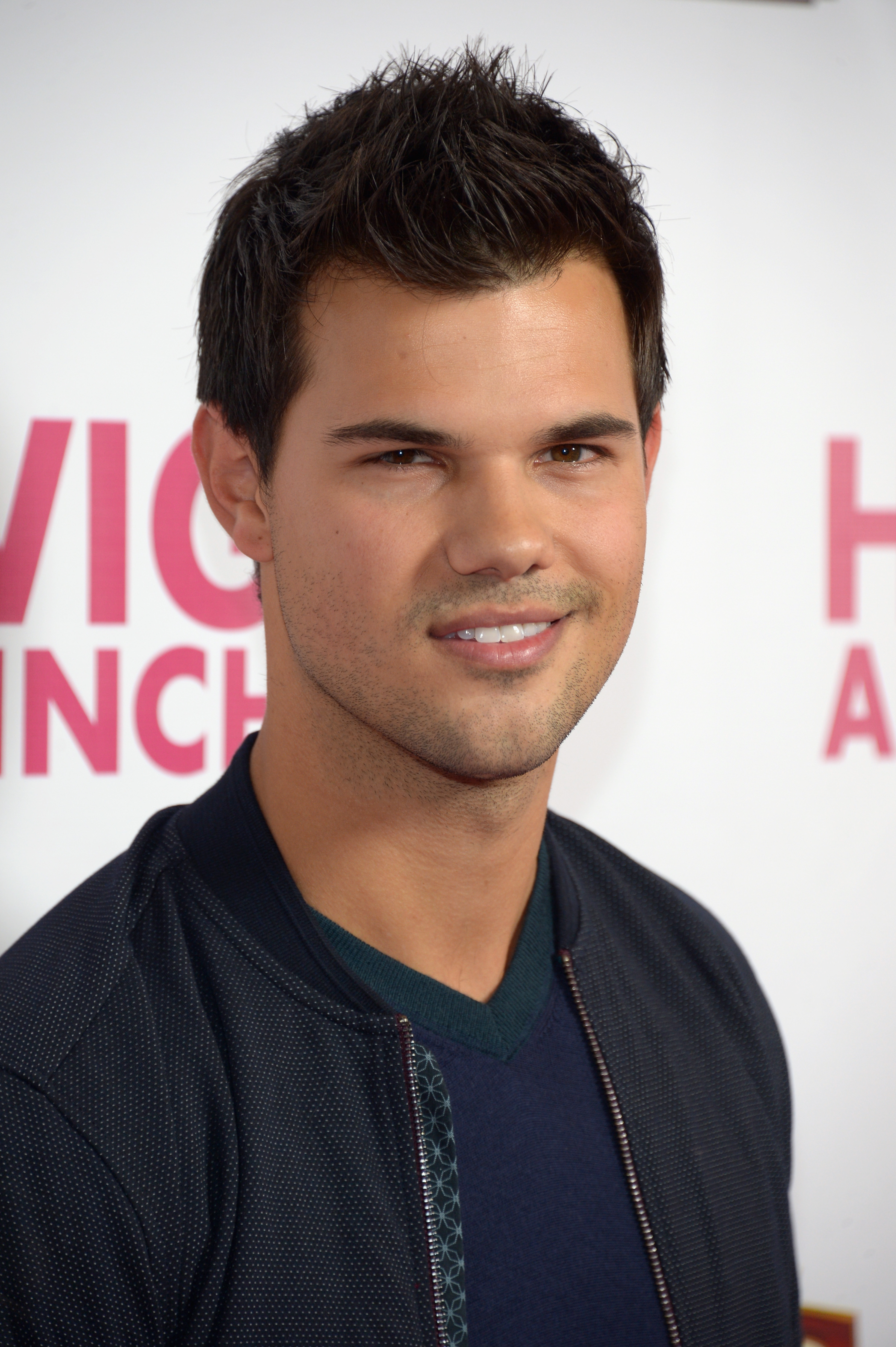 'Twilight' Heartthrob: Taylor Lautner | Access Online