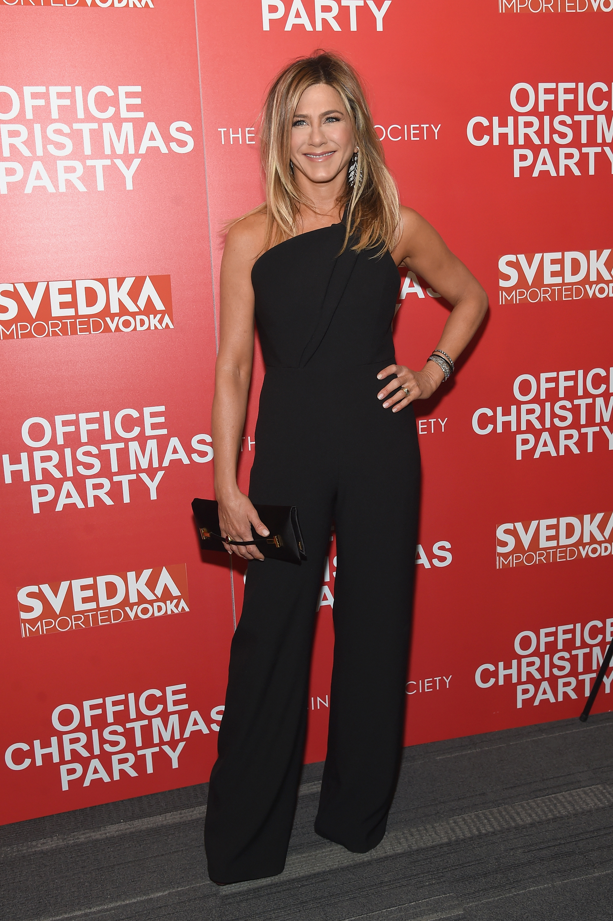 Jennifer-Aniston-attends-the-Paramount-Pictures-with-The-Cinema-Society-Svedka-host-a-screening-of-Office-Christmas-Party-at-Landmark-Sunshine-Cinema-on-December-5-2016-in-New-York-City