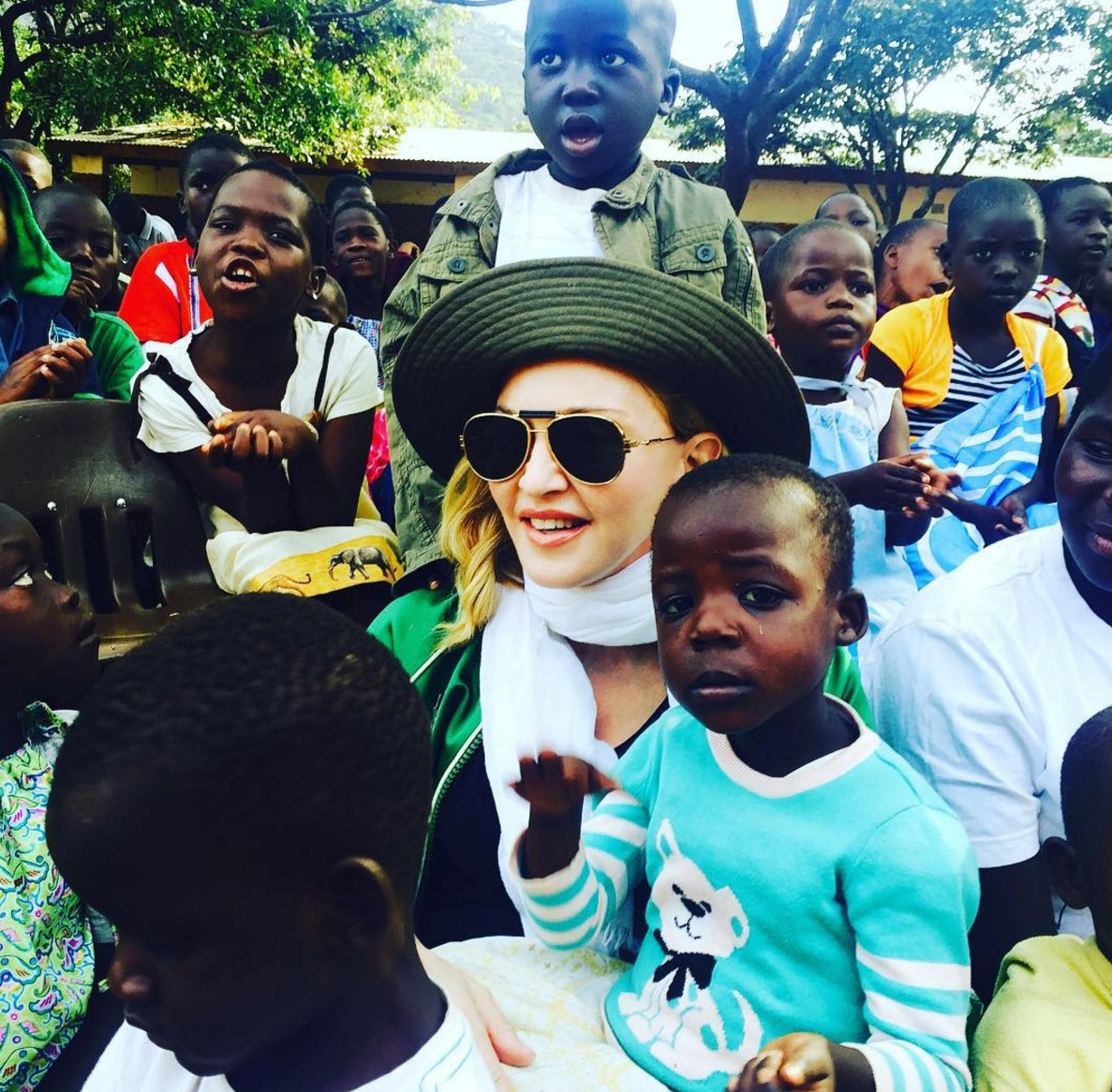 Madonna-visits-an-orphanage-in-Malawi-July-2016