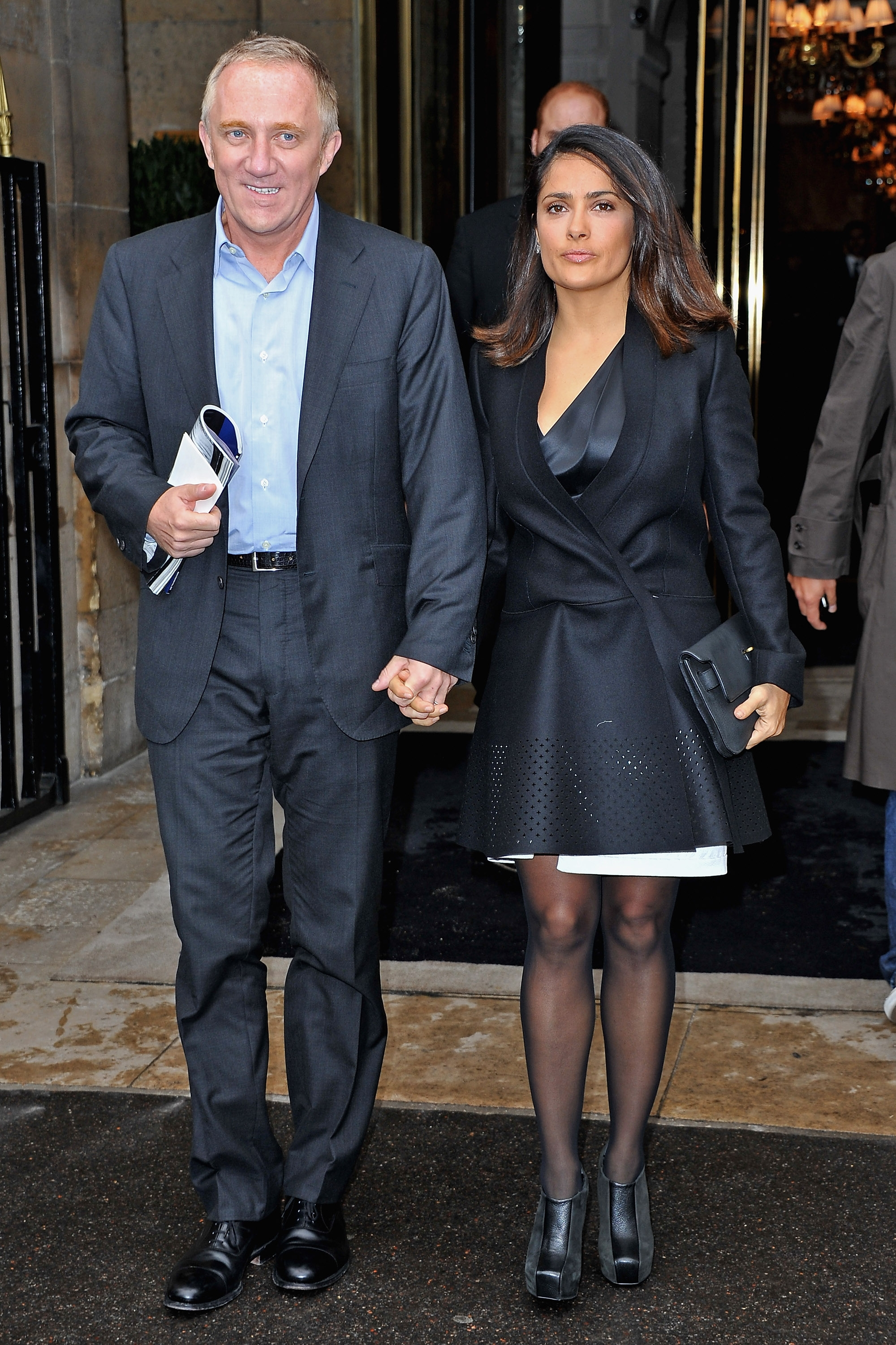 672f5758b Salma Hayek s Husband Surprises Her With A Vow Renewal Ceremony ...