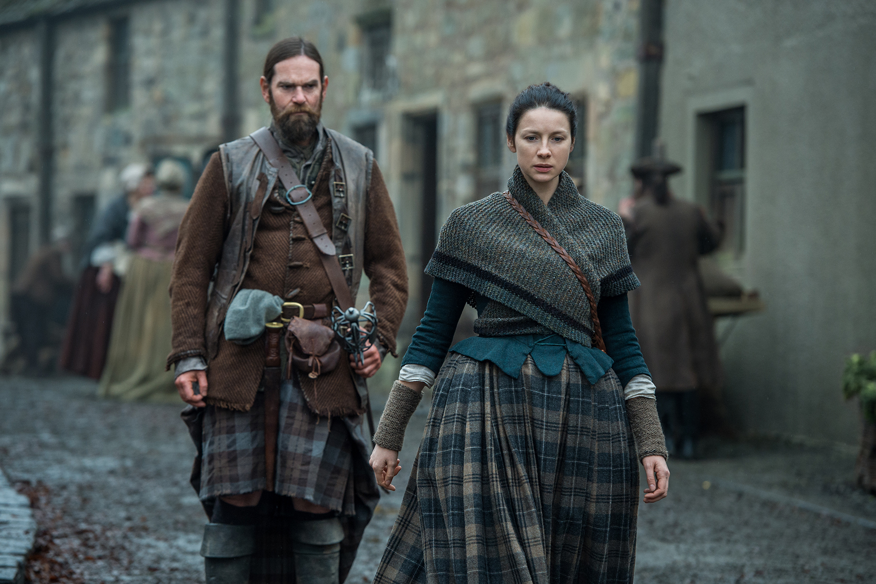 Duncan Lacroix as Murtagh Fitzgibbons and Caitriona Balfe as Clare Fraser in 'Outlander' Season 2, Episode 12 — 'The Hail Mary'