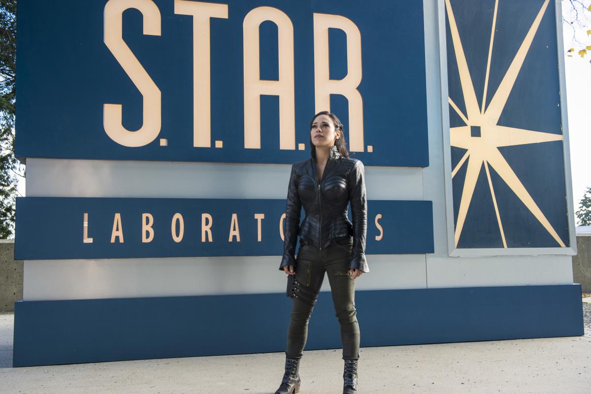The-Flash-Jessica-Camacho-Talks-Bounty-Hunter-Gypsy-Facing-Off-Against-Team-Flash