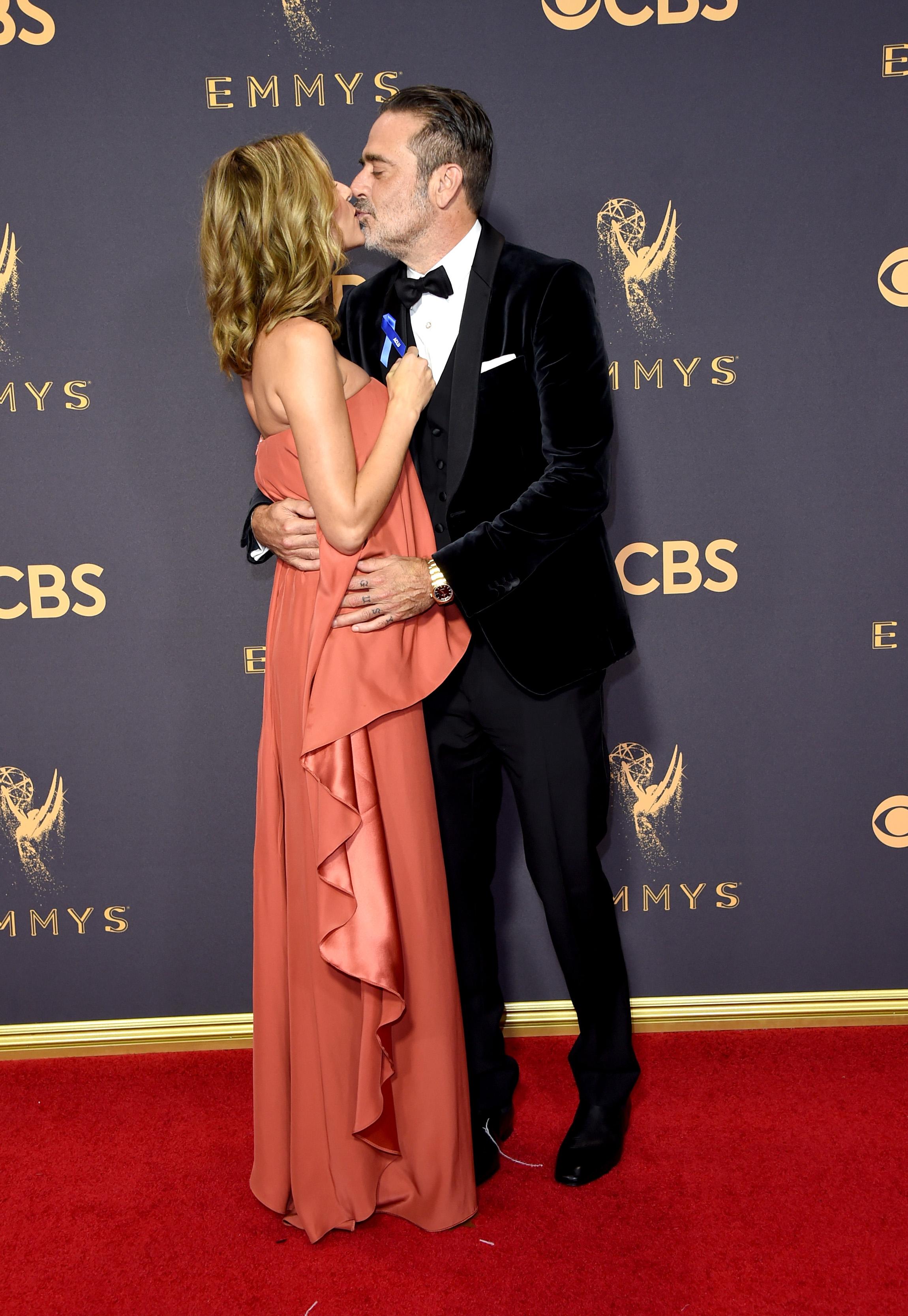 Jeffrey Dean Morgan and Hilarie Burton at 2017 Emmy Awards
