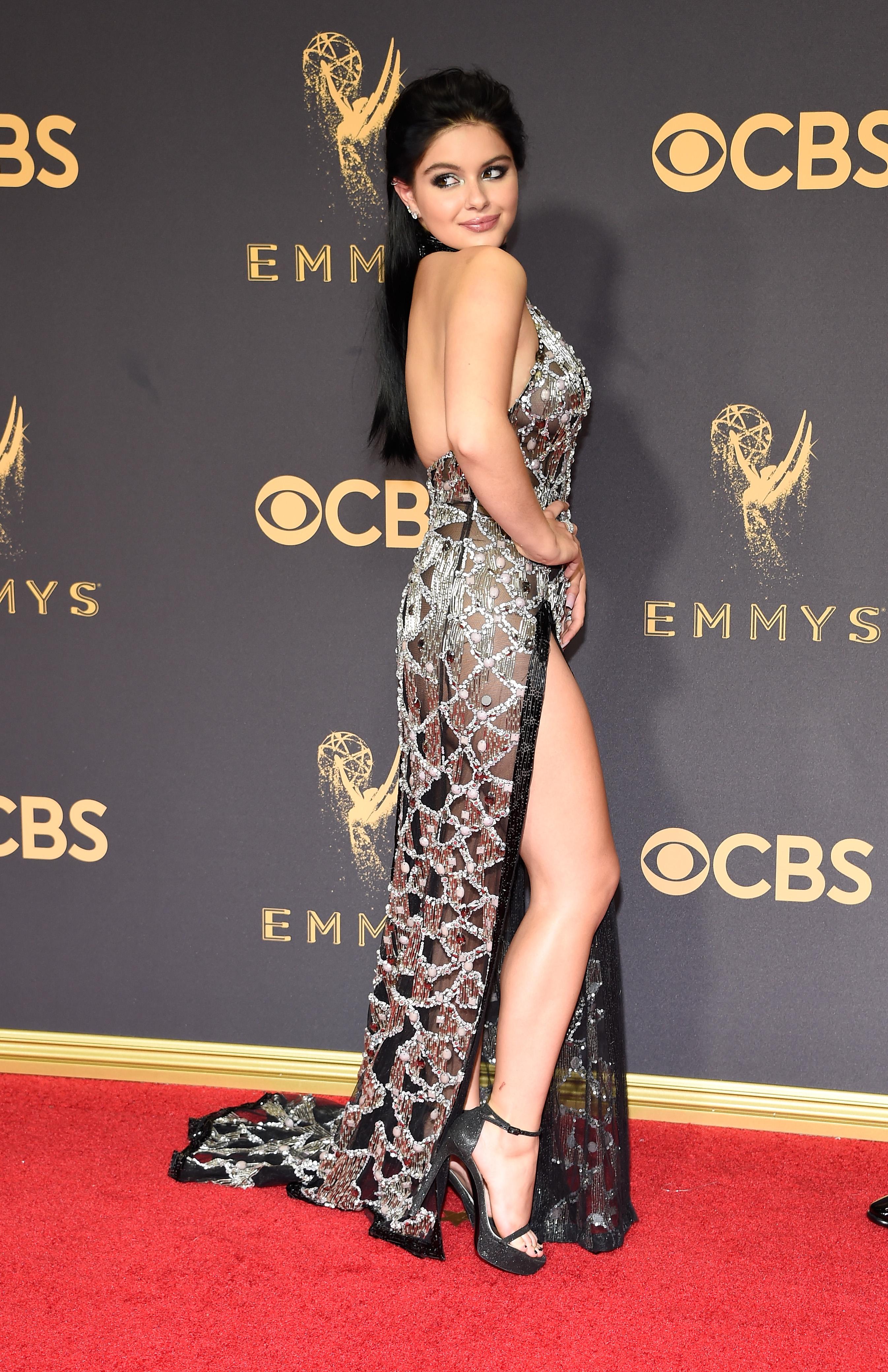 Ariel Winter Rocks Leggy Dress At The 2017 Emmy Awards