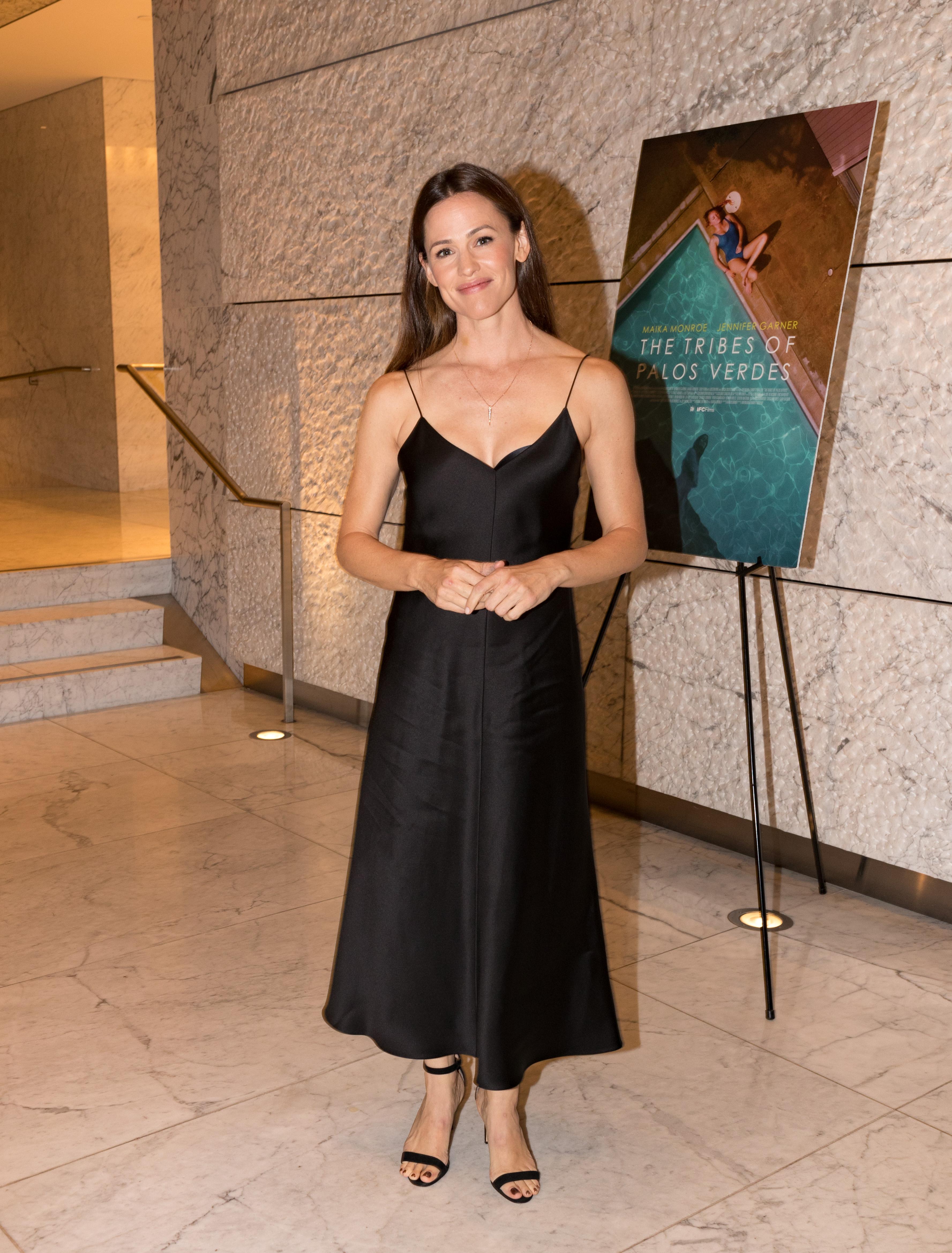 Jennifer Garner Attends 'The Palos Verdes Tribe' Premiere