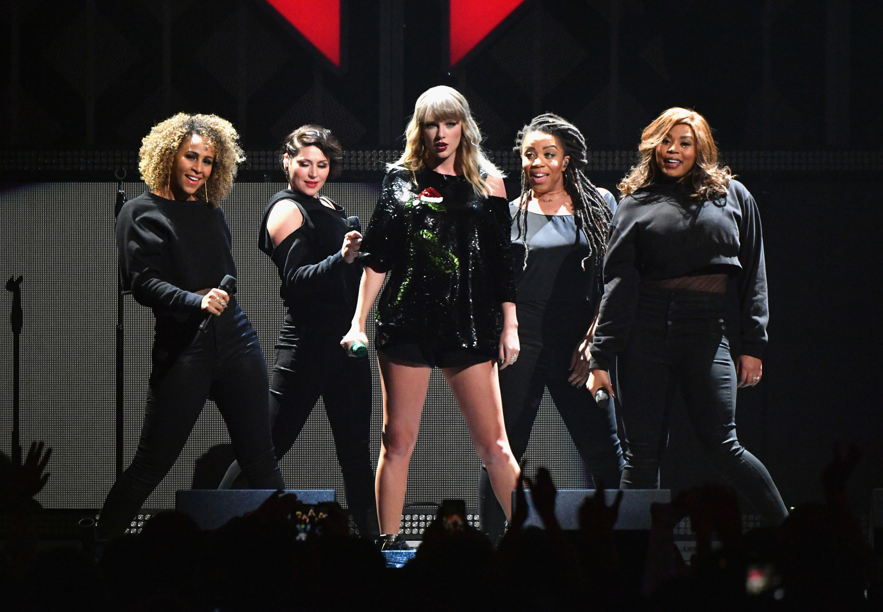 Taylor-Swift-Rocks-The-Stage-At-Jingle-Ball-In-NYC