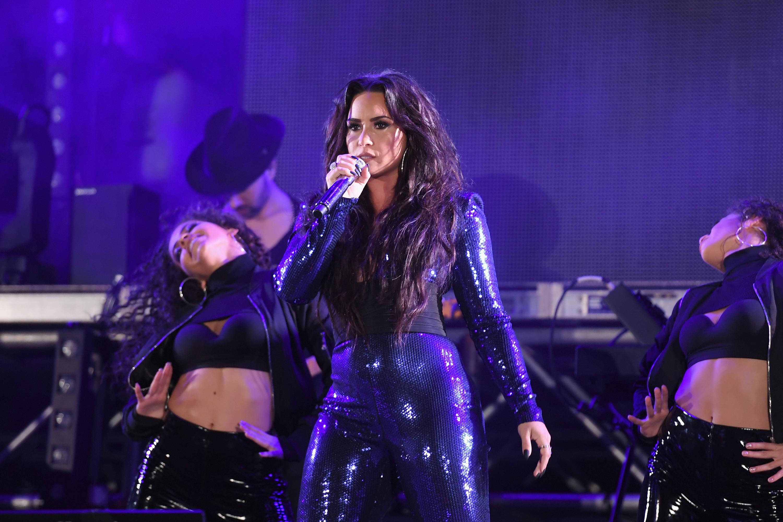 Demi-Lovato-Postpones-London-Concert-Due-To-Swollen-Vocal-Chords