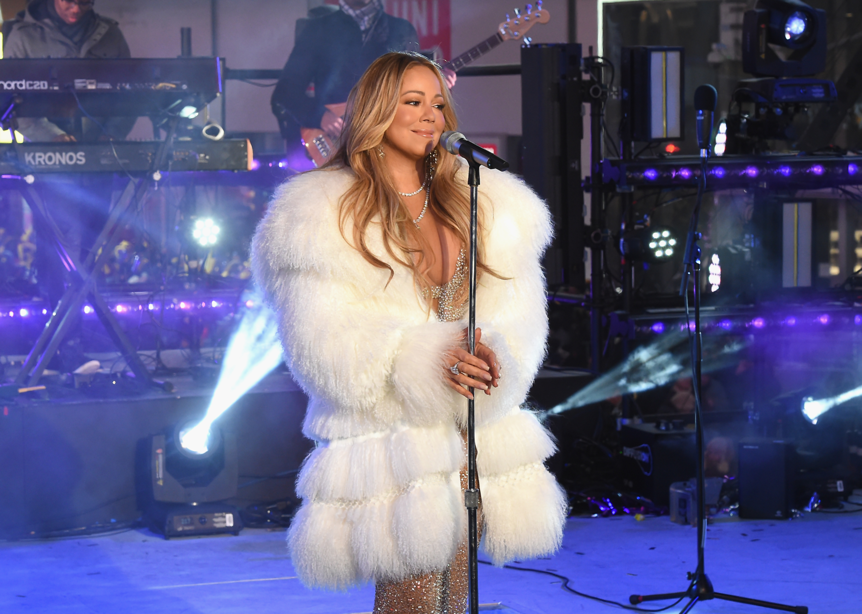 Mariah-Carey-Returns-To-The-Stage-For-New-Years-Rockin-Eve