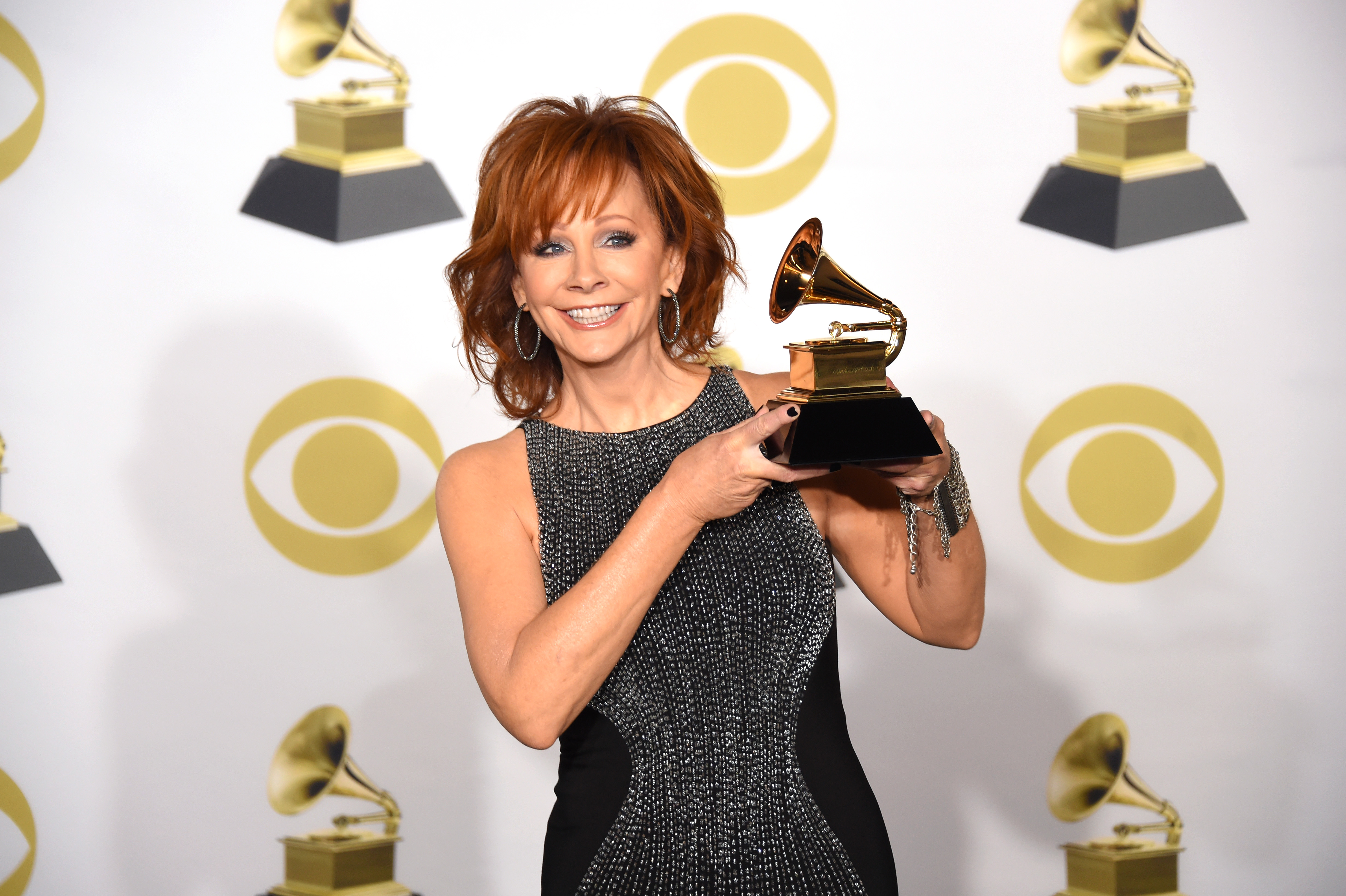 Reba-McEntire-Wins-Her-Third-Grammy-After-20-Years-Wears-A-White-Flower-To-Support-Times-Up