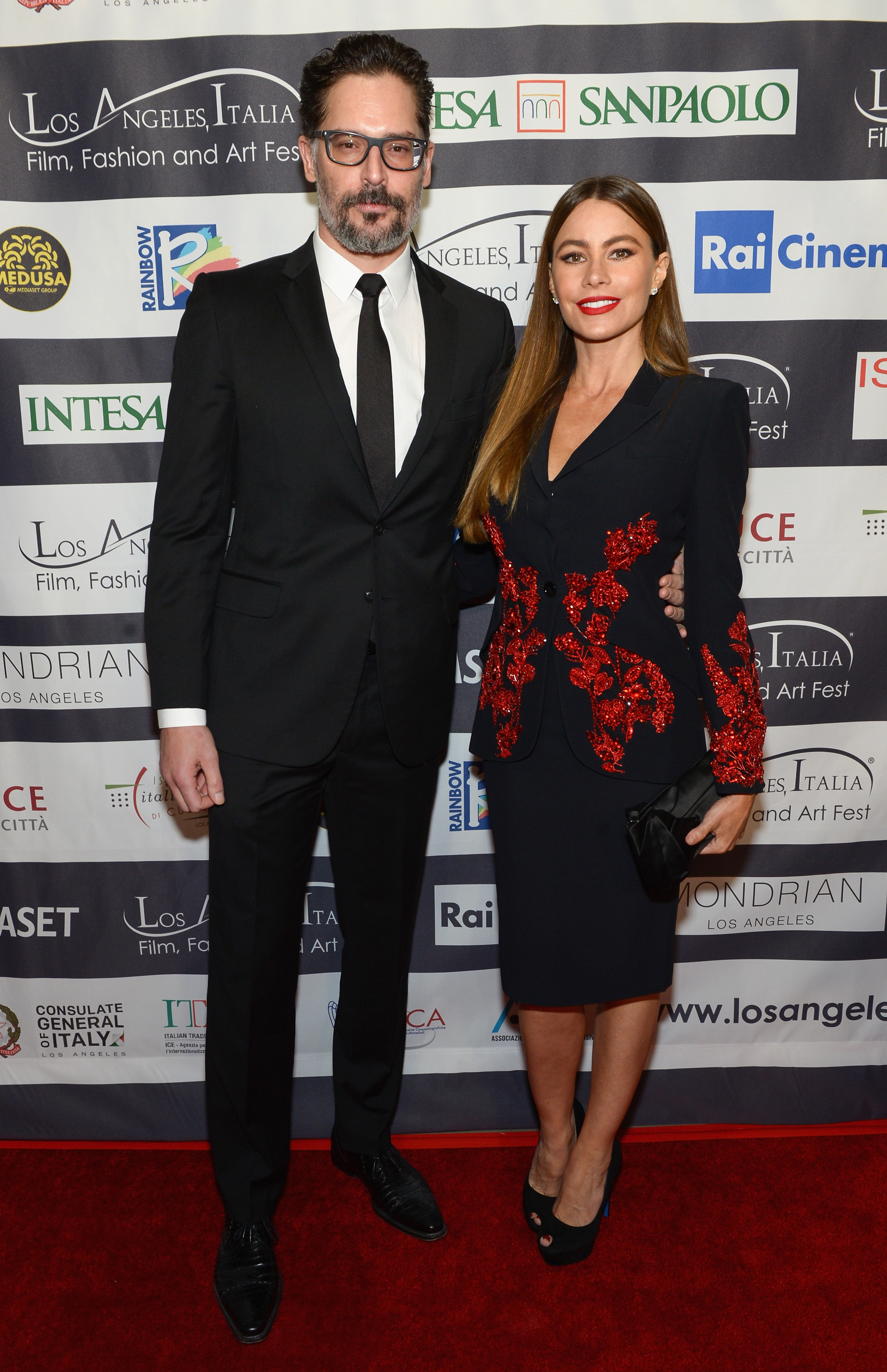 Sofia-Vergara-Joe-Manganiello-Go-Glam-For-Date-Night-At-Los-Angeles-Italia-Film-Festival
