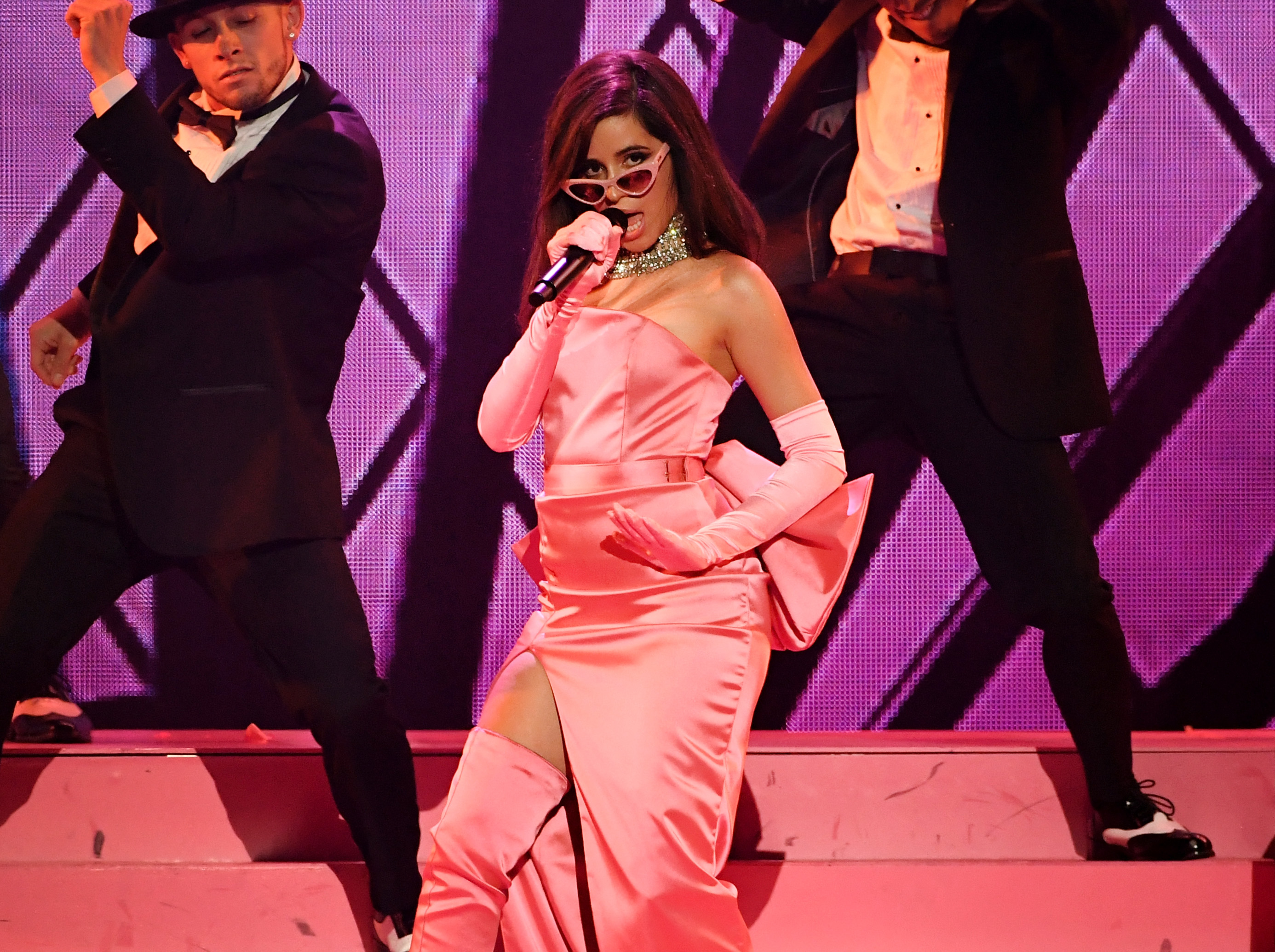 Camila-Cabello-Channels-Marilyn-Monroe-For-Performance-Of-Havana-At-2018-iHeartRadio-Music-Awards