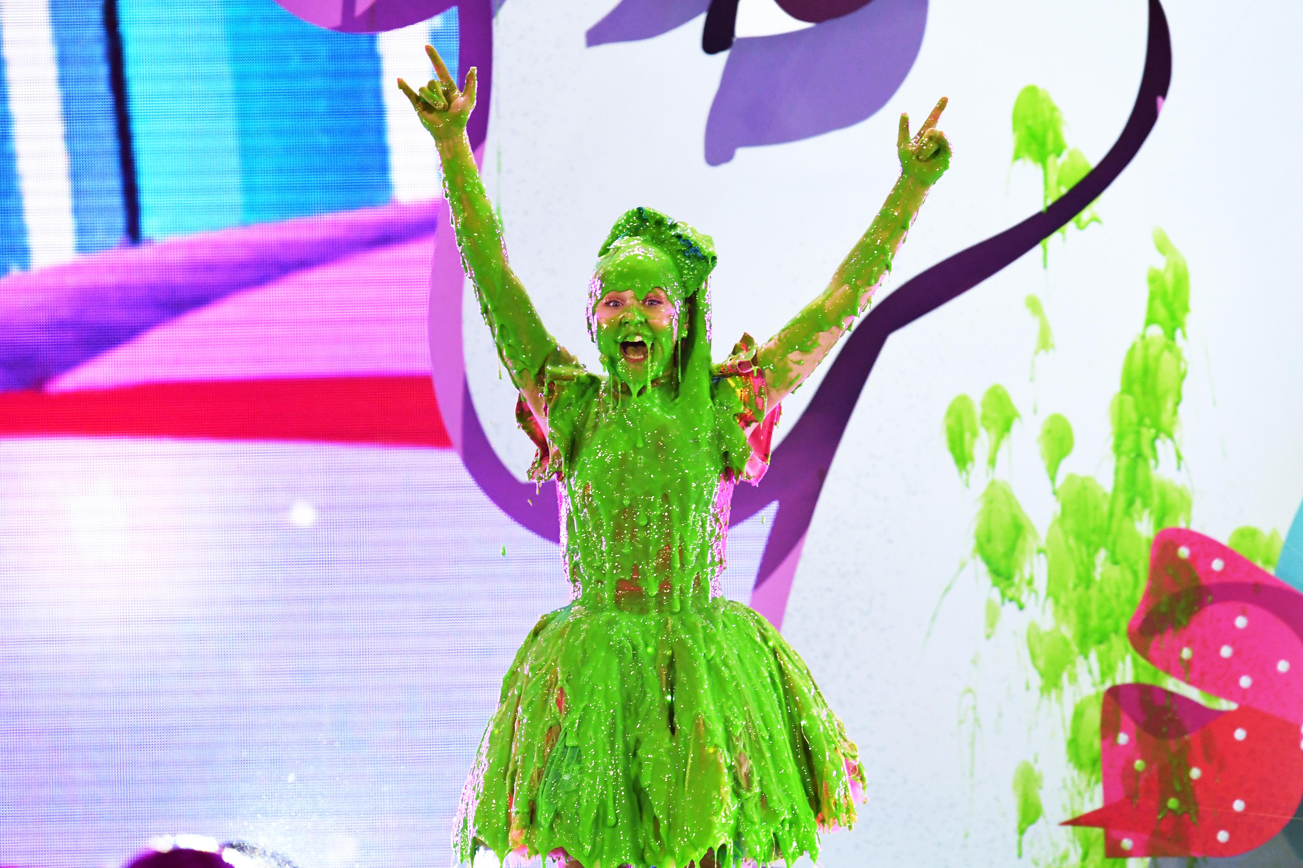 Heidi-Klum-John-Cena-Mel-B-JoJo-Siwa-And-More-Stars-Get-Slimed-At-The-2018-Kids-Choice-Awards