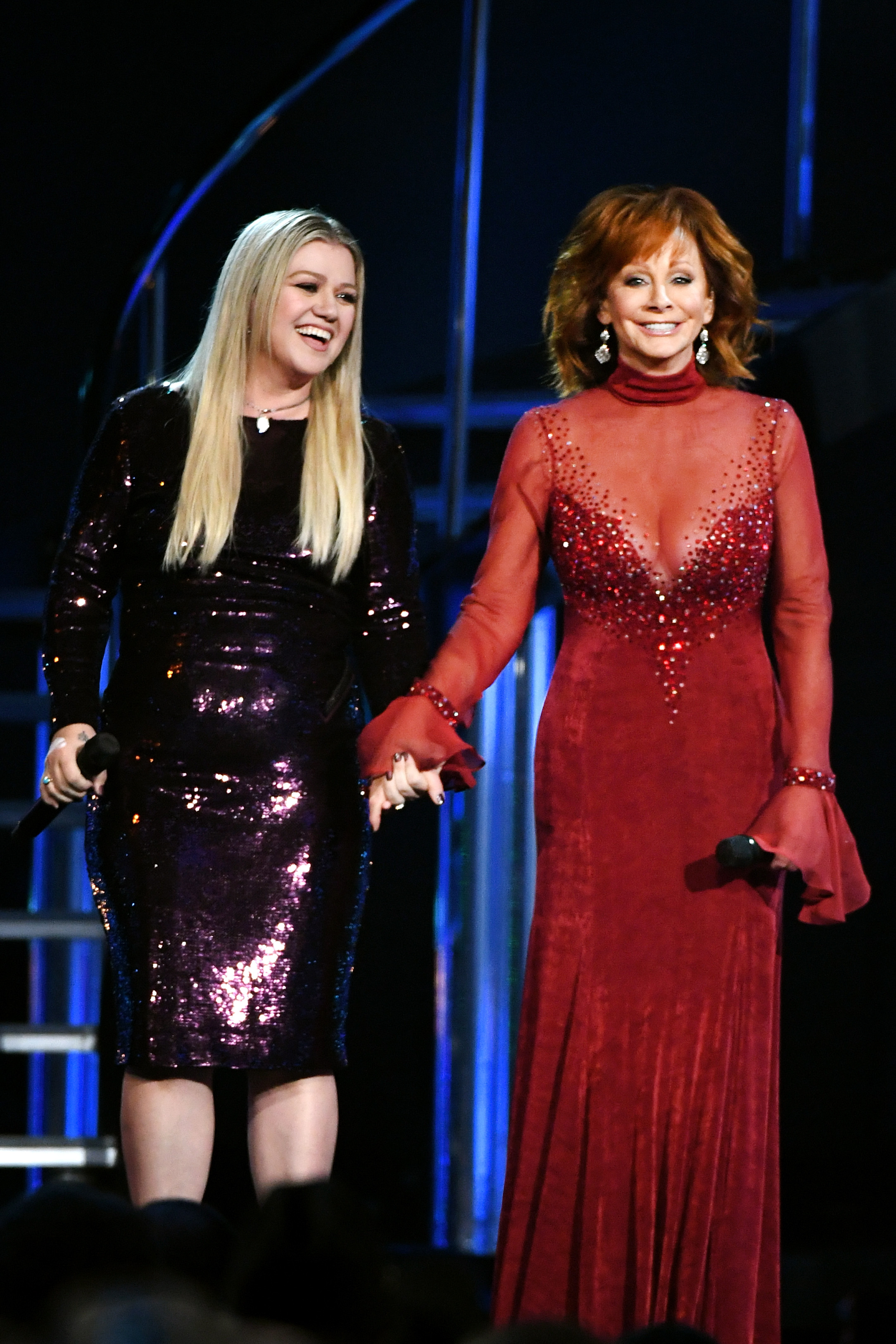 Kelly Clarkson and host Reba McEntire perform onstage during the 53rd Academy of Country Music Awards at MGM Grand Garden Arena on April 15, 2018 in Las Vegas, Nevada. (Photo by Ethan Miller/Getty Images)