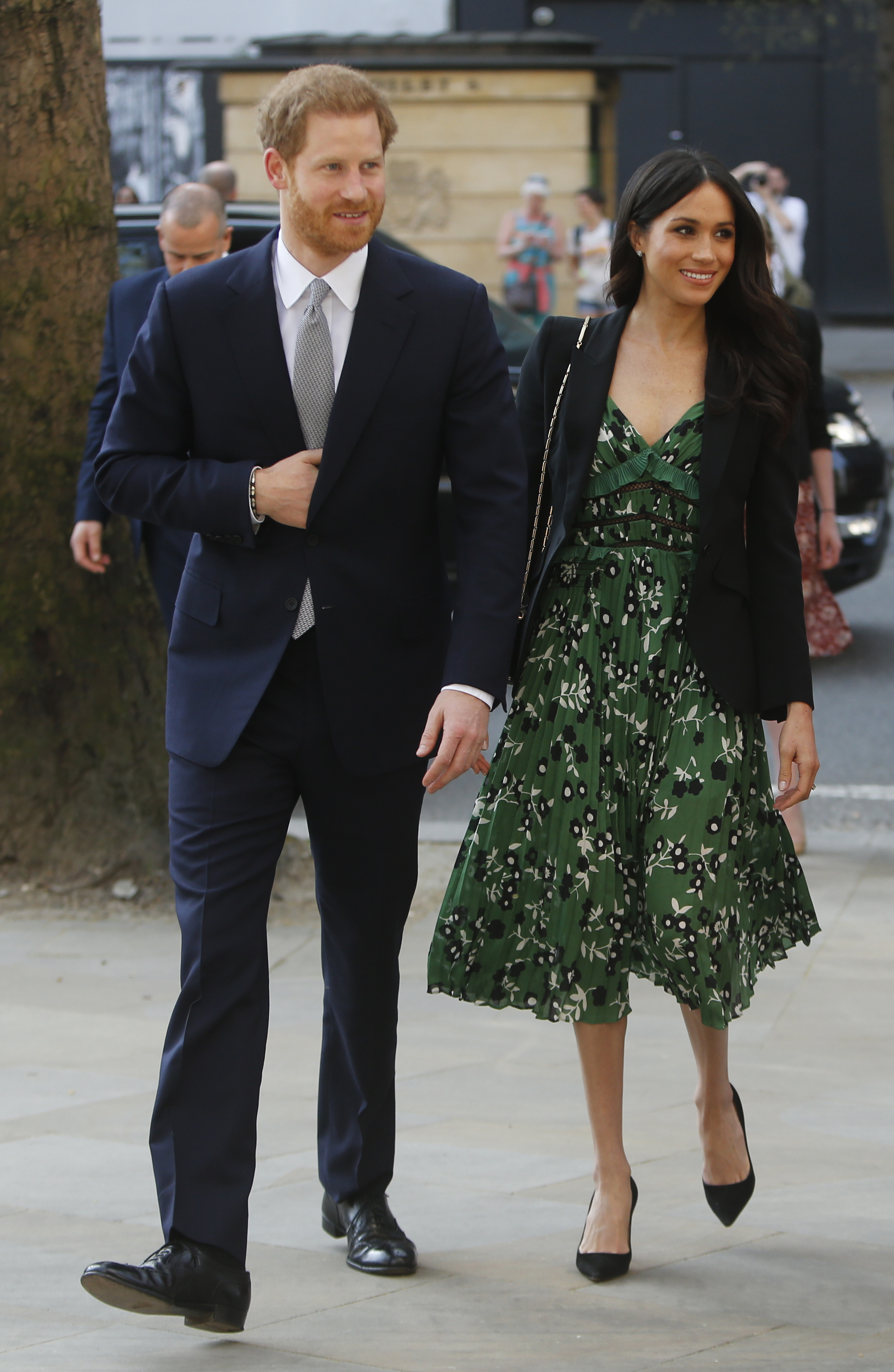 Who-Wore-It-Better-Meghan-Markle-and-Natalie-Morales-Stun-In-Green-Self-Portrait-Dress