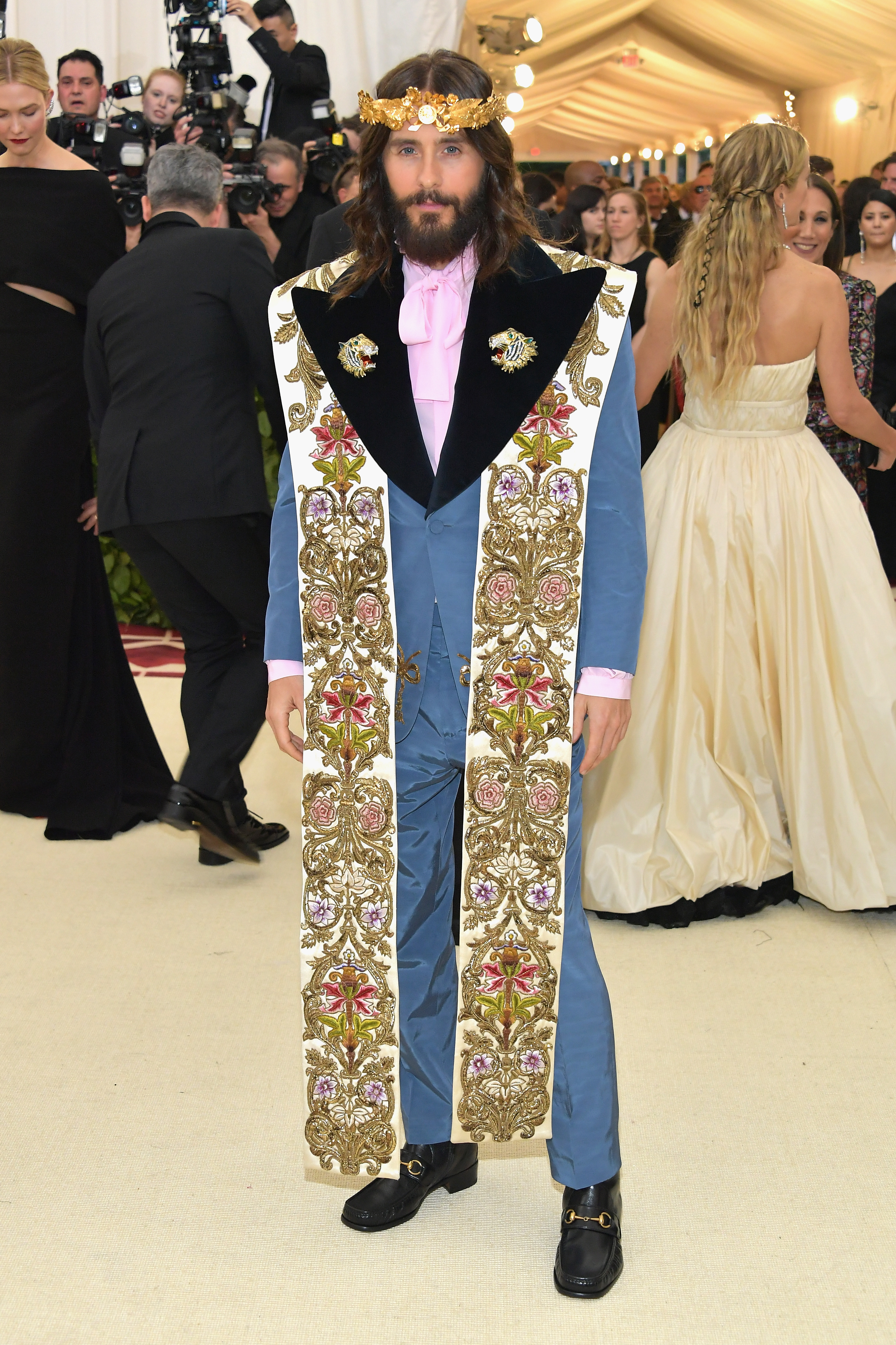 183e5aae133 Jared Leto Channels Jesus At 2018 Met Gala   Steps Out With Lana Del ...