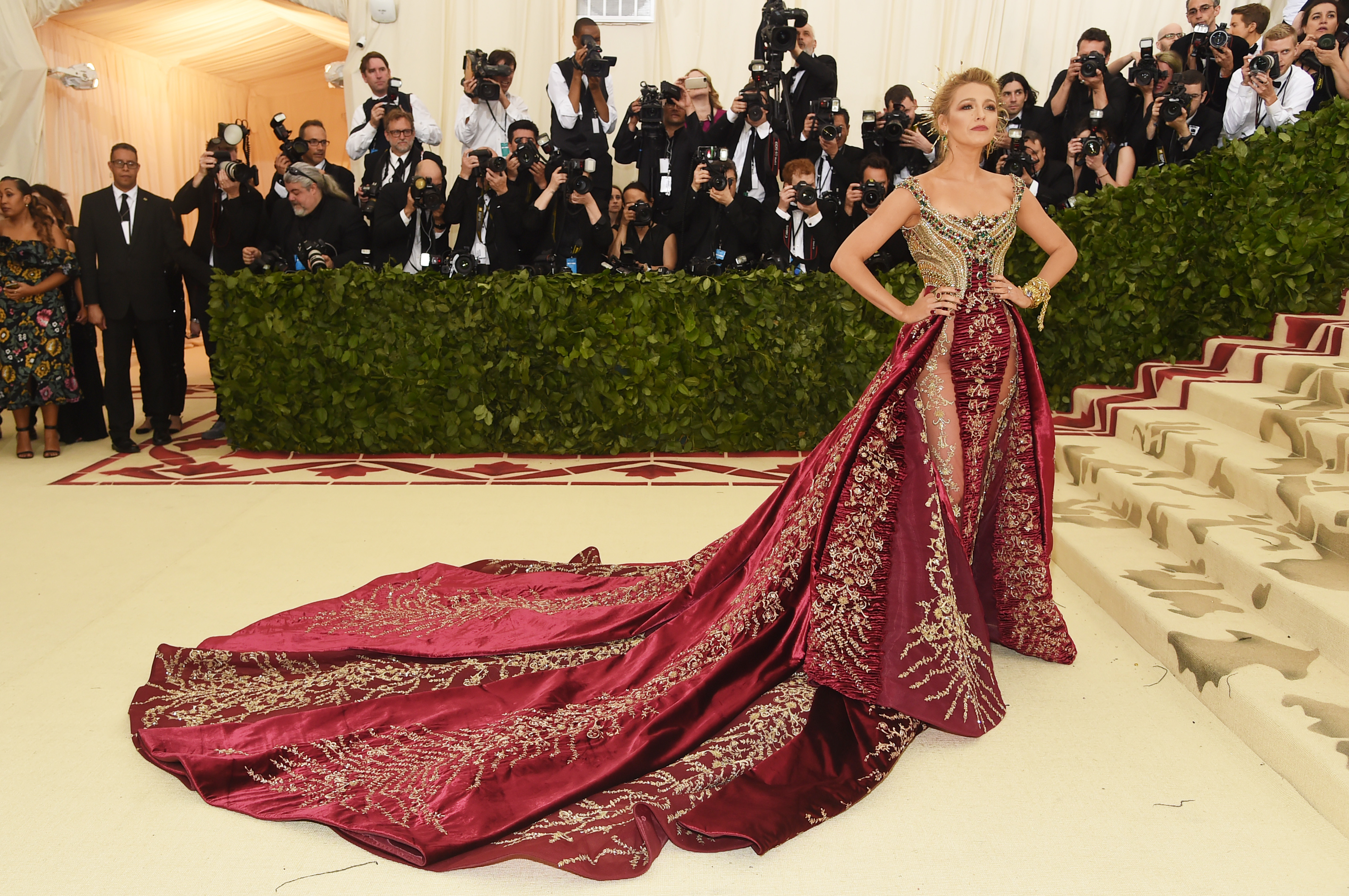 Blake-Lively-Was-Completely-Deserving-Of-The-Crown-On-Her-Head-At-The-2018-Met-Gala