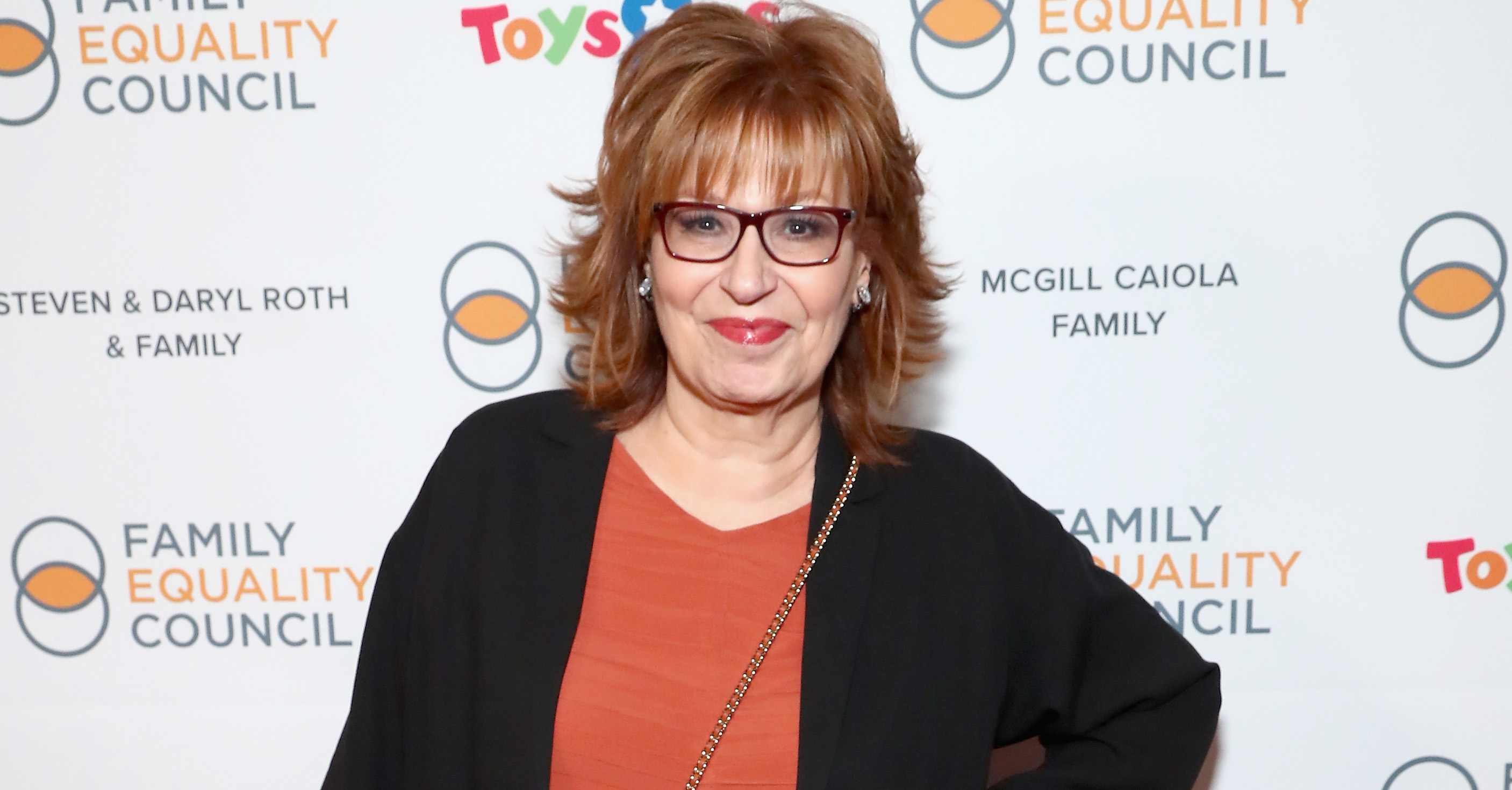 Joy-Behar-Stabbed-Herself-In-The-Hand-With-A-Knife-Was-Hospitalized